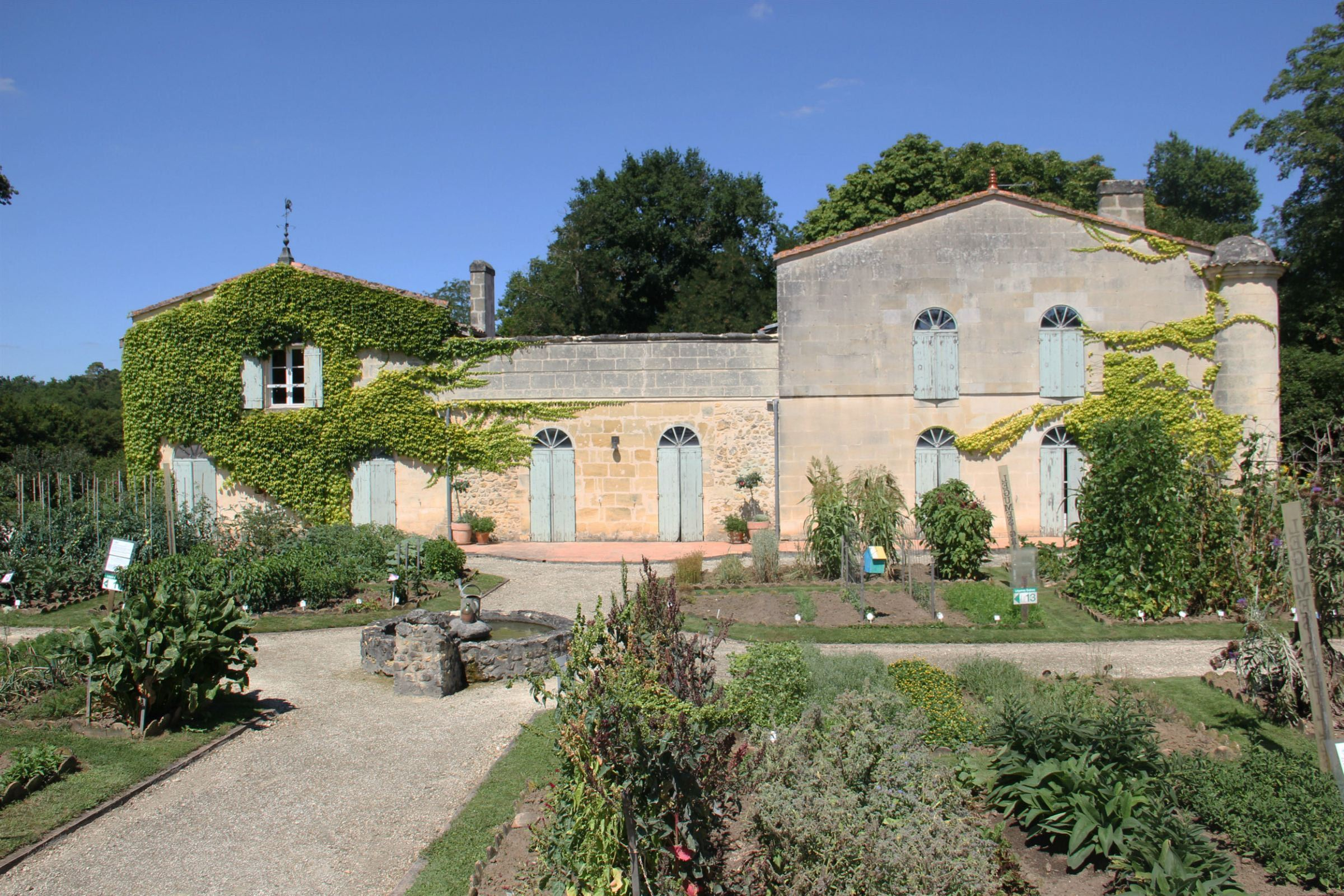 Property For Sale at BORDEAUX - SADIRAC - CHARMING 50 ACRE ESTATE