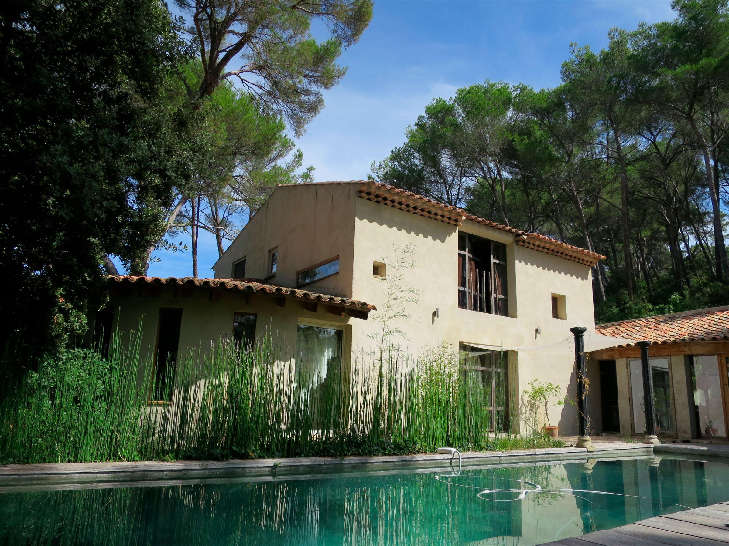 Частный односемейный дом для того Продажа на AIX - LES TROIS SAUTETS Other Provence-Alpes-Cote D'Azur, Прованс-Альпы-Лазурный Берег, 13100 Франция
