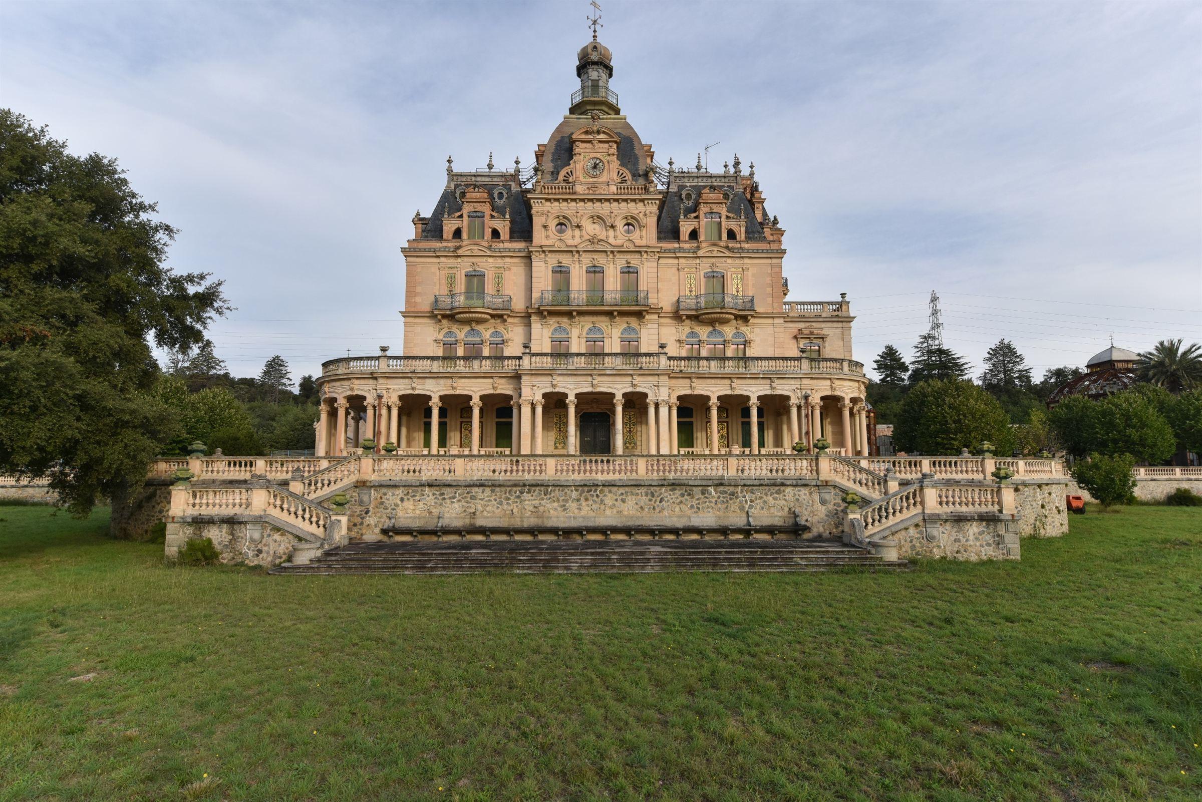 一戸建て のために 売買 アット Castle Ceret, ラングドック=ルション, 66400 フランス