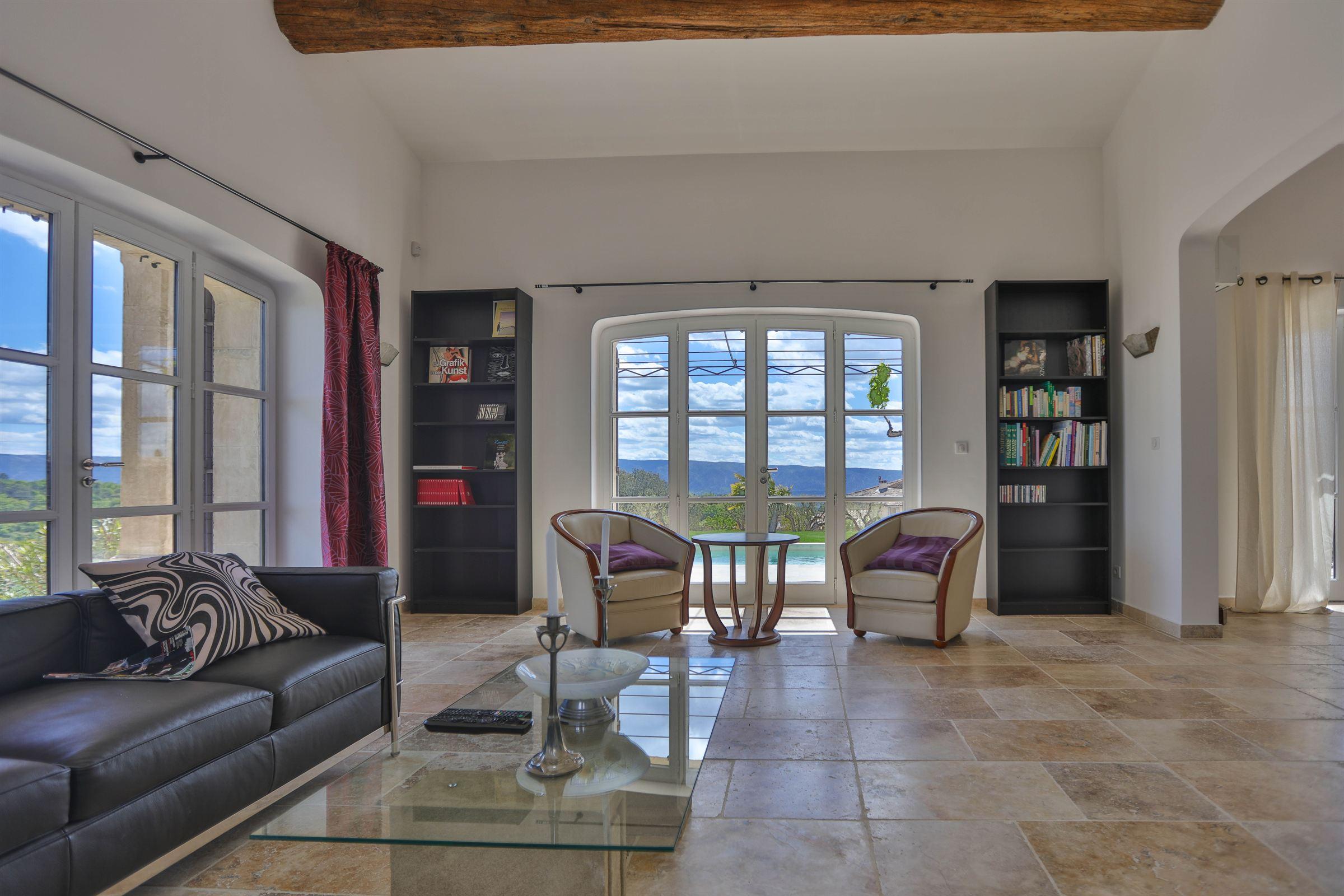 sales property at Maison récente avec vue