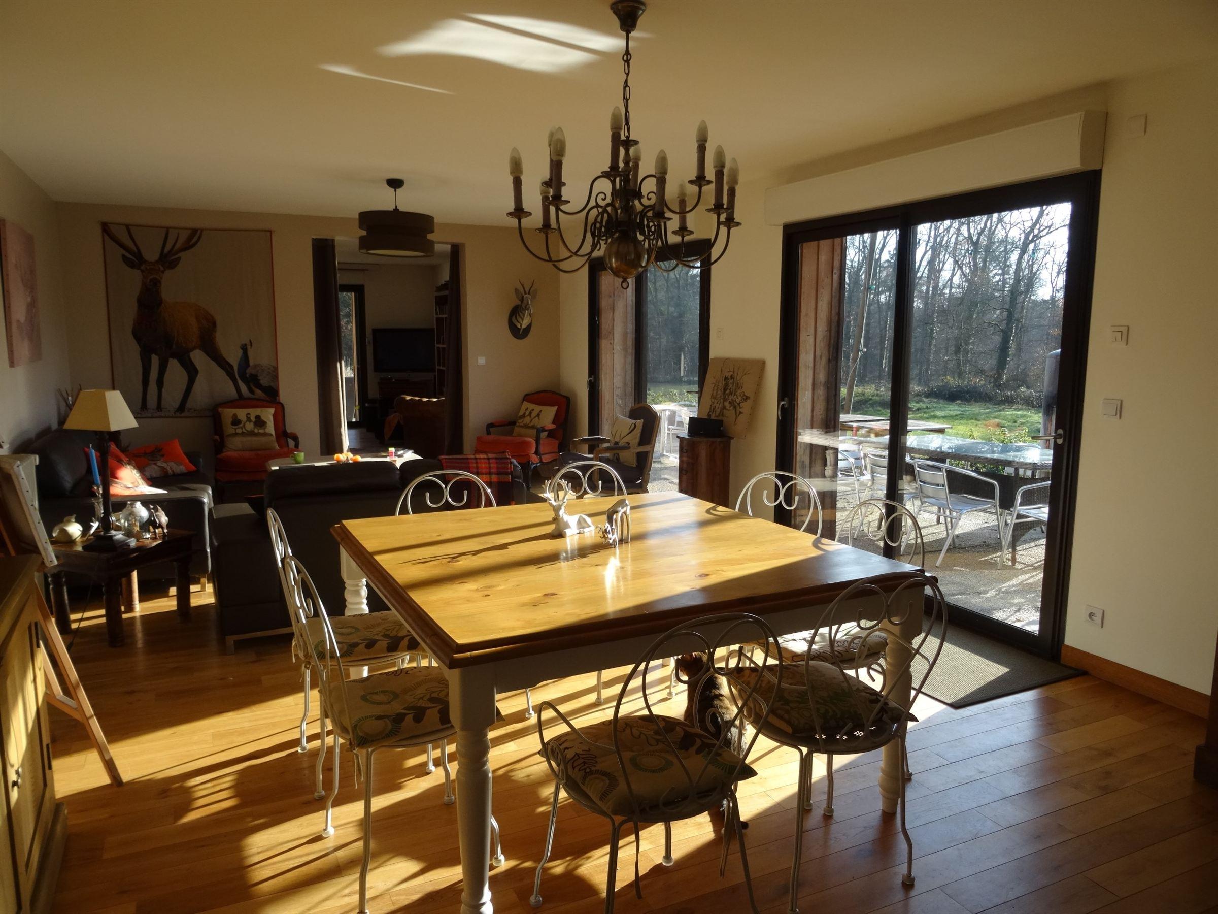 Casa Unifamiliar por un Venta en Une rénovaton contemporaine pour cette solognote Other Centre, Centro, 45240 Francia