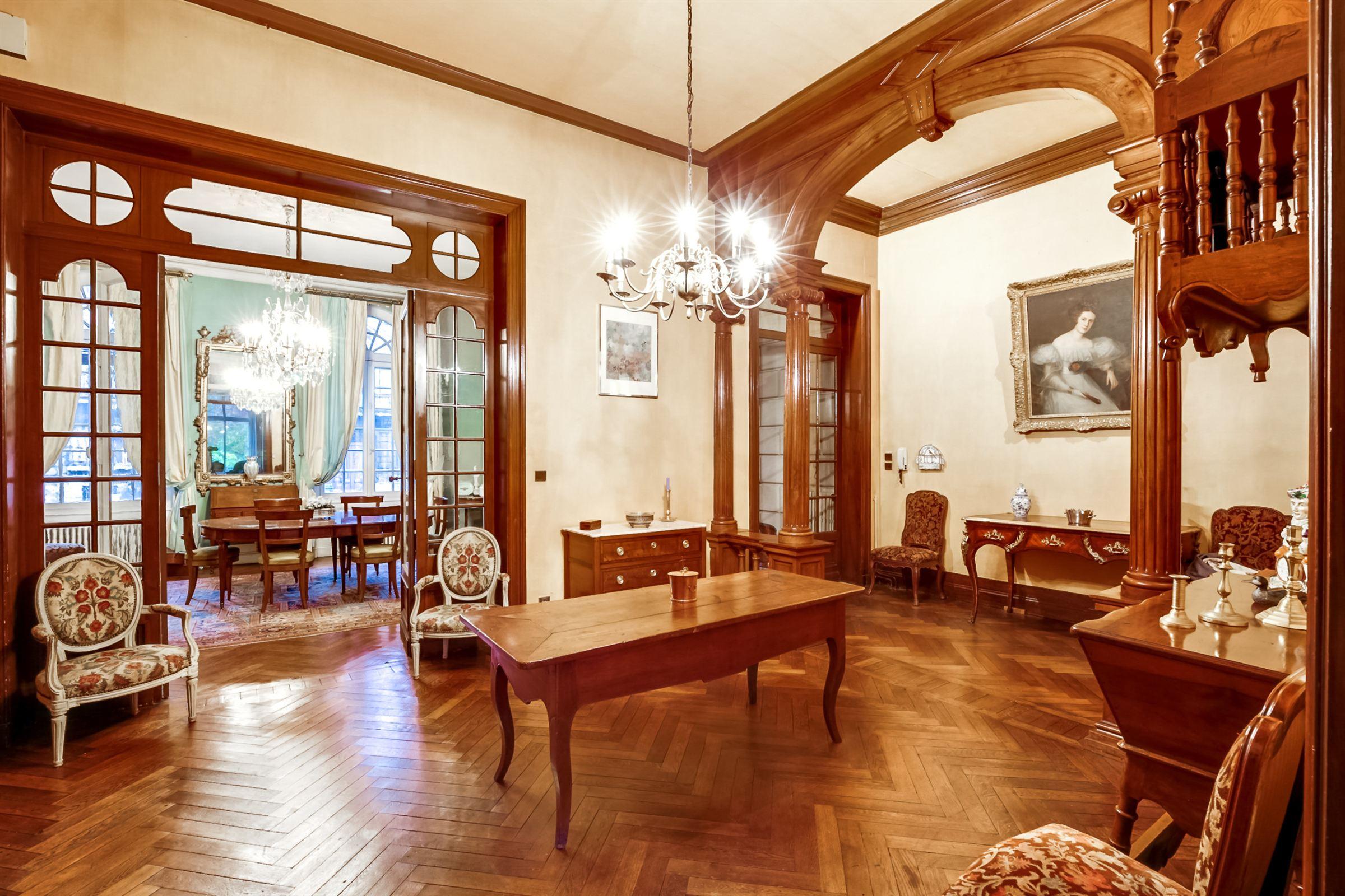 一戸建て のために 売買 アット BORDEAUX CAUDERAN SPLENDID PRIVATE STONE TOWNHOUSE Bordeaux, アキテーヌ, 33200 フランス