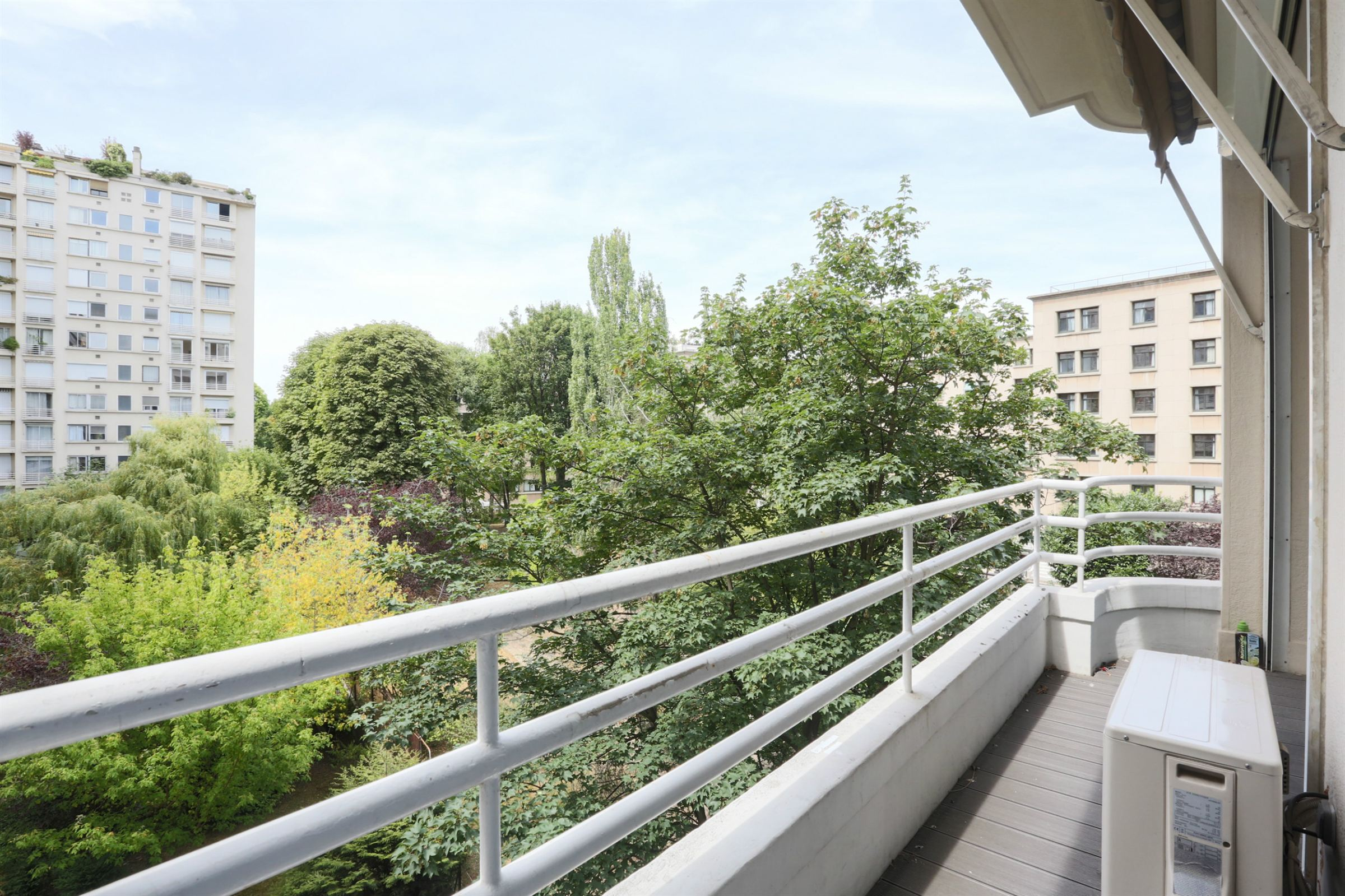 Property For Sale at Paris 16 - Docteur Blanche - A 137 sq.m apartment + balconies/terraces