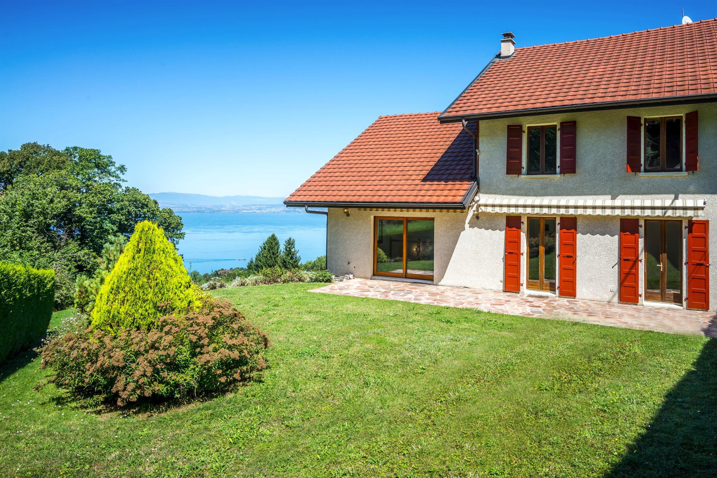 Single Family Home for Sale at TRES BELLE VUE PANORAMIQUE Publier, Rhone-Alpes, 74500 France