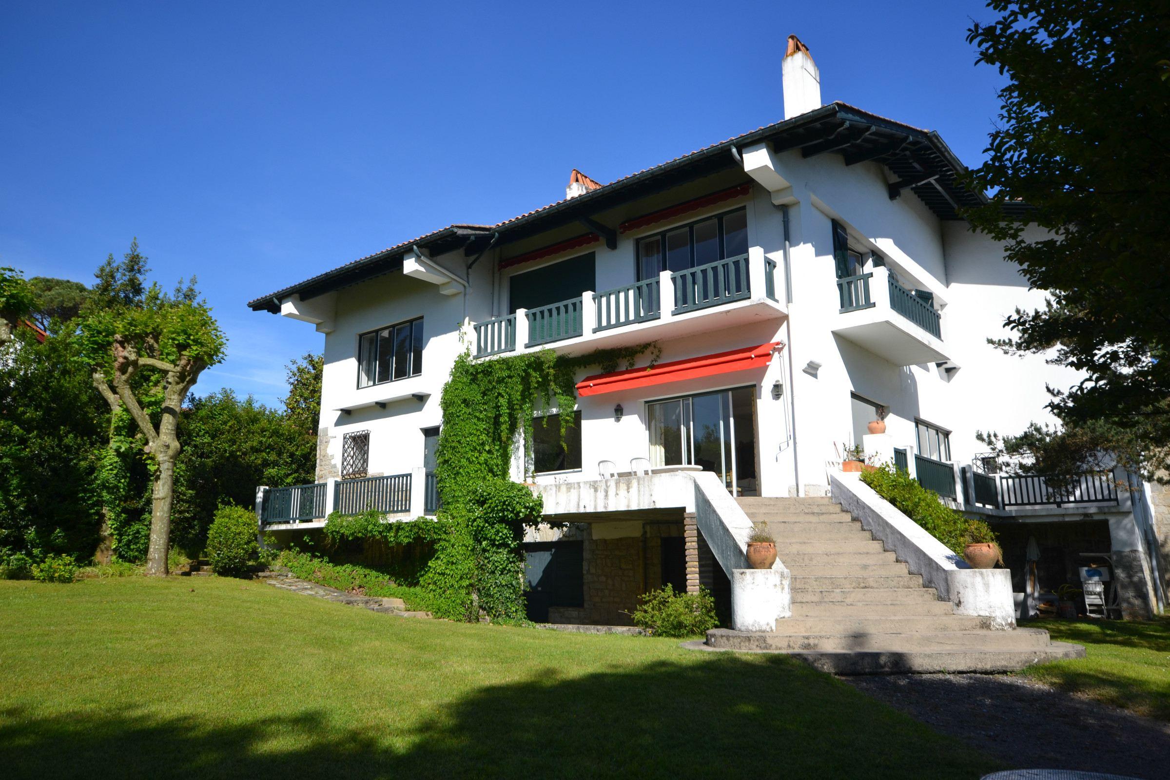 sales property at L'ELEGANCE EN PLEIN COEUR DE SAINT JEAN DE LUZ