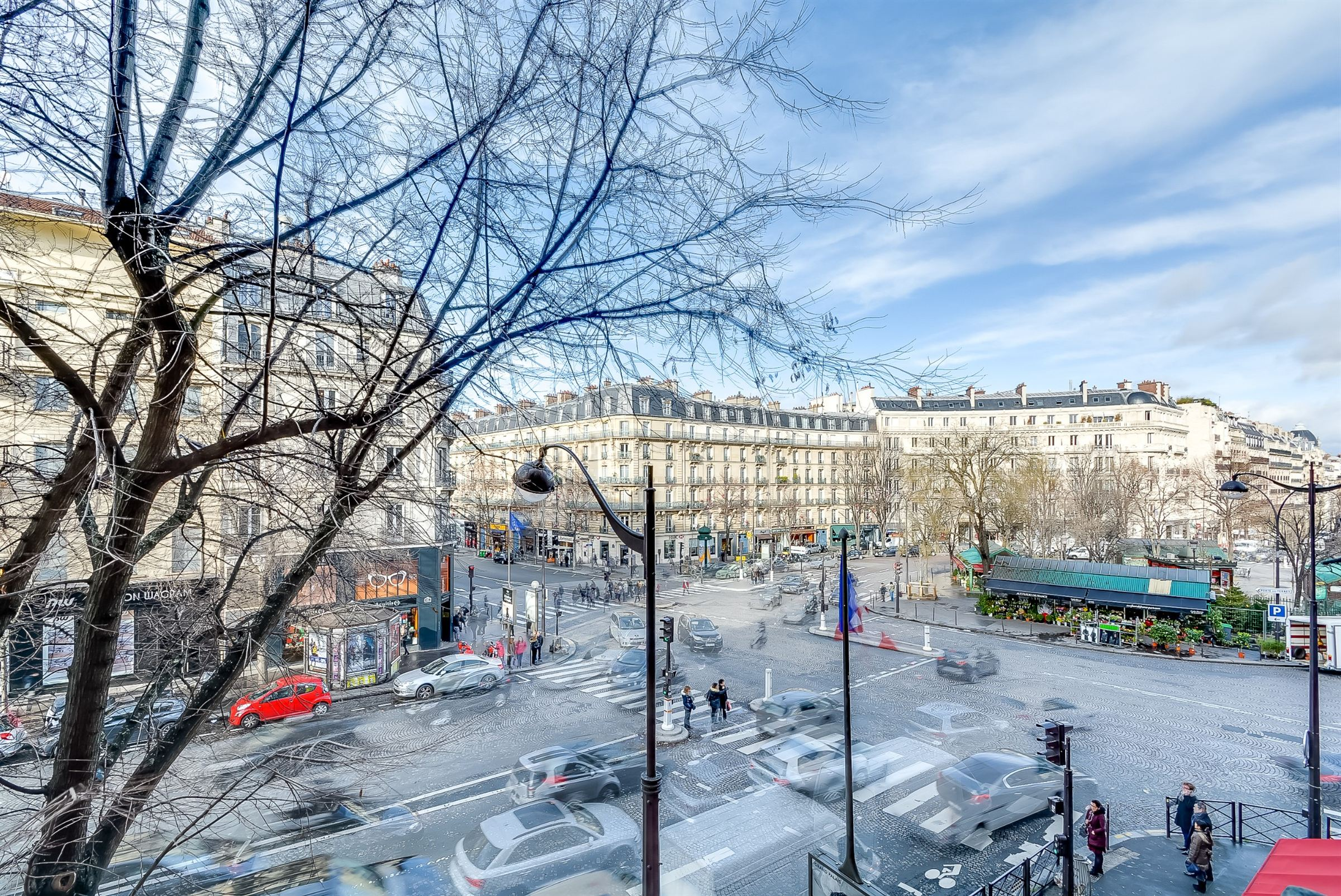 sales property at A spacious 5 rooms apartment for sale Paris 8 - Place des Ternes, 2 chambres