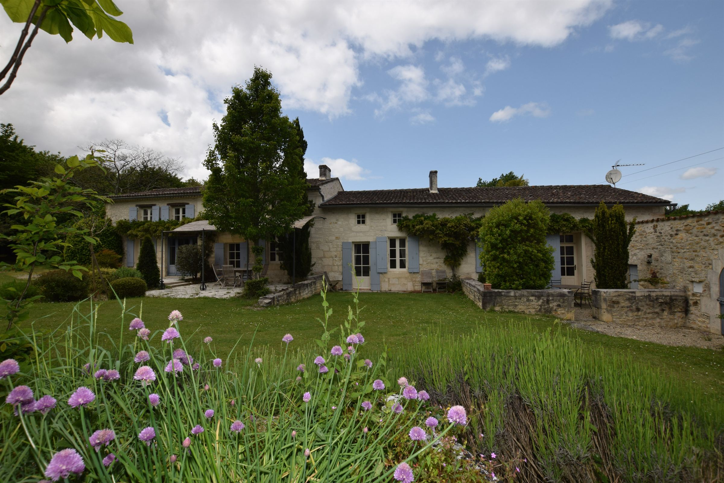 sales property at Charming Charentaise House - 10 mn from SAINTES