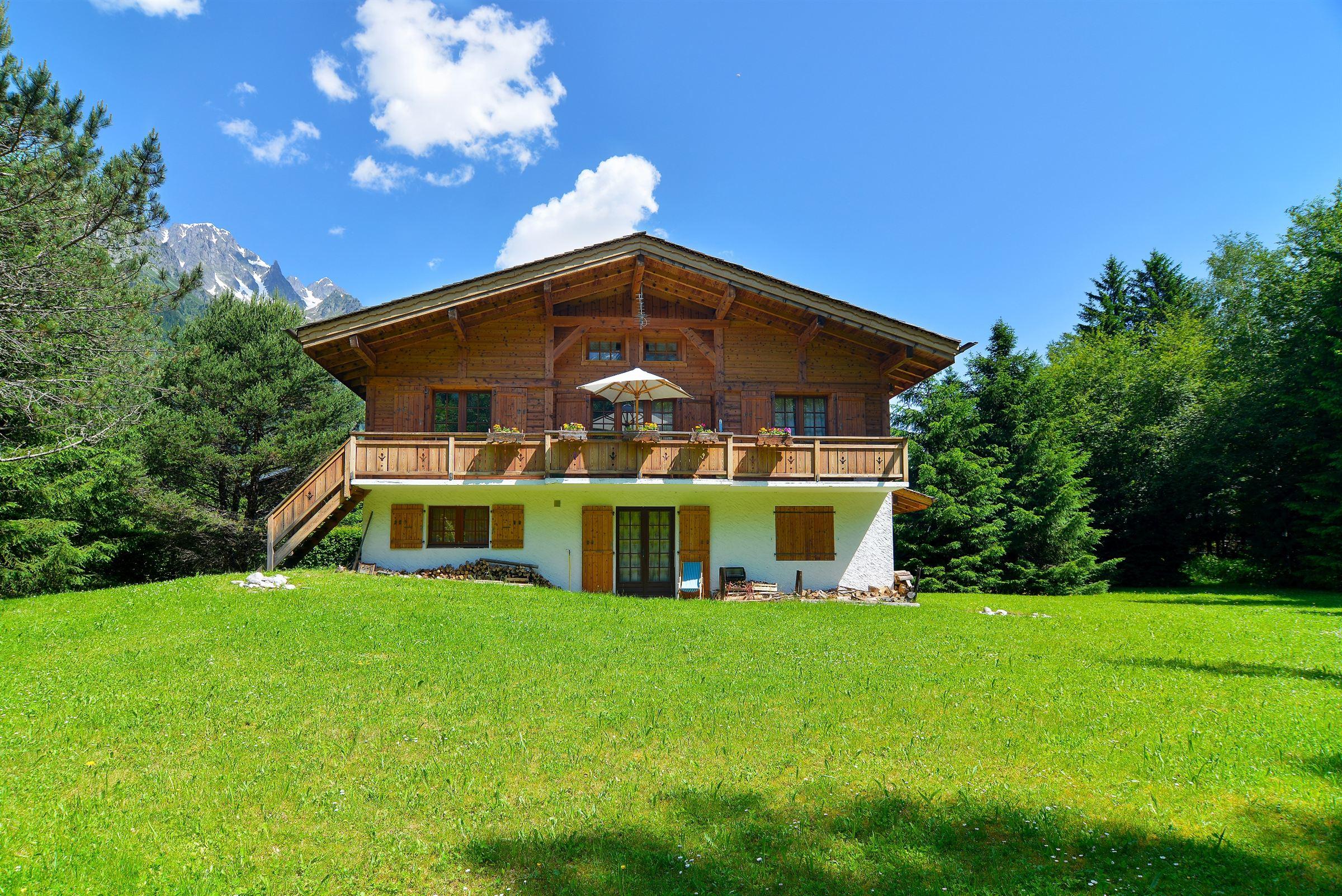 sales property at Chalet in the heart of La Plaine des Praz de Chamonix