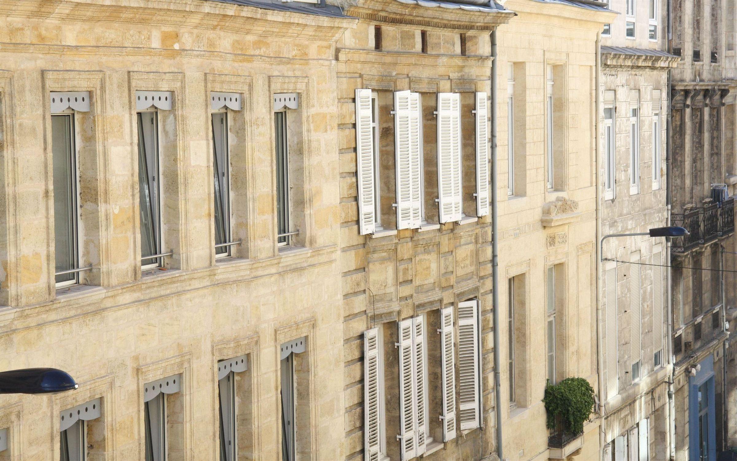 アパート のために 売買 アット BORDEAUX - COURS CLEMENCEAU - RAVISSANT APPARTEMENT Bordeaux, アキテーヌ, 33000 フランス