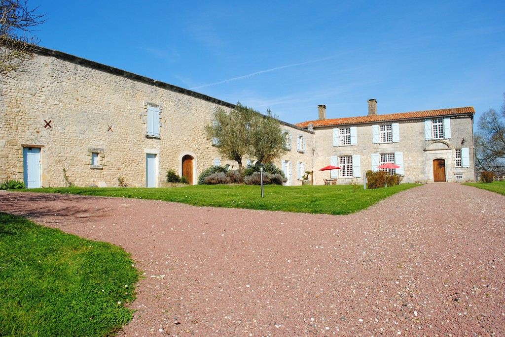 Property For Sale at Near Saujon and Royan