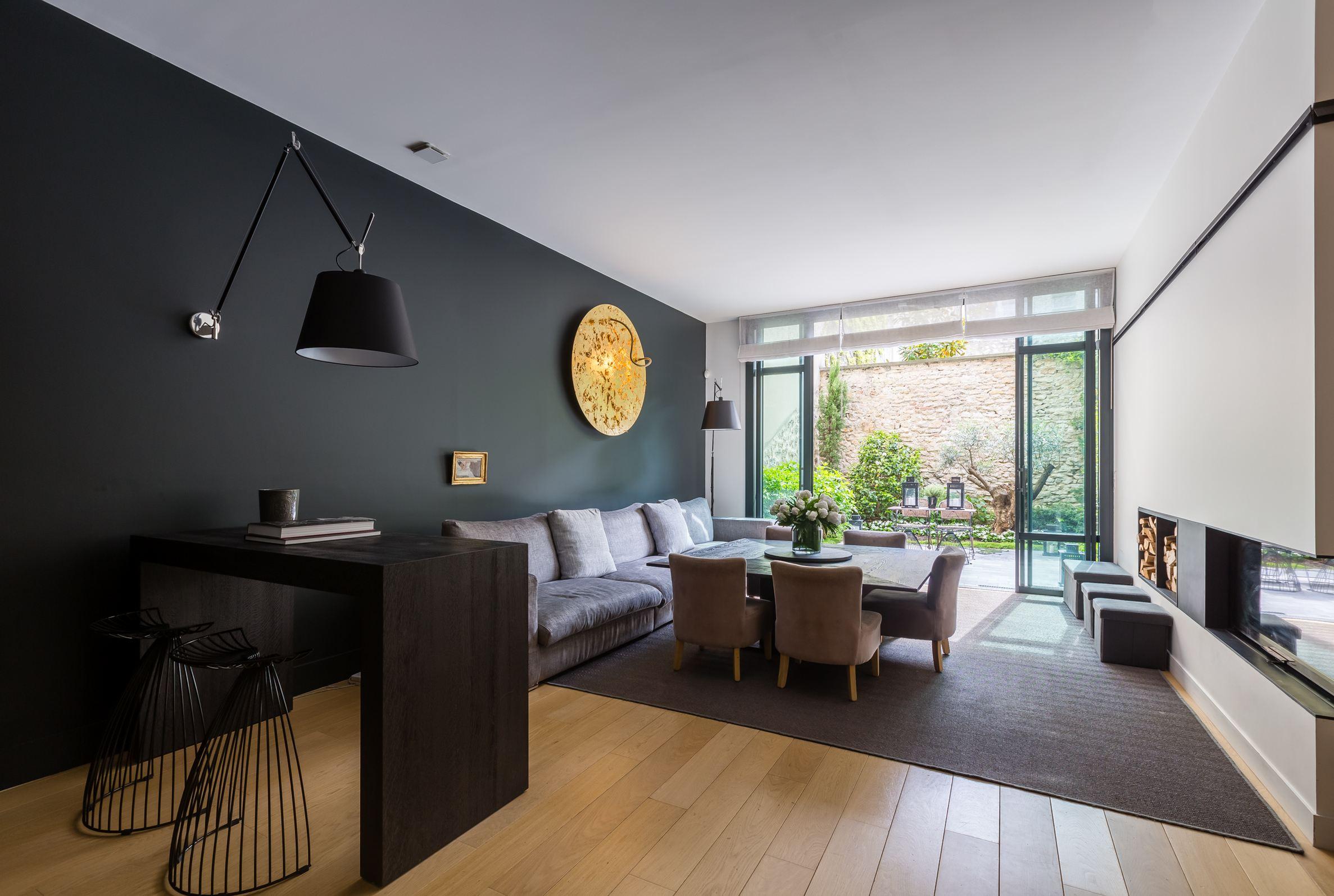 sales property at Maison contemporaine ouvrant sur jardin et toit-terrasse