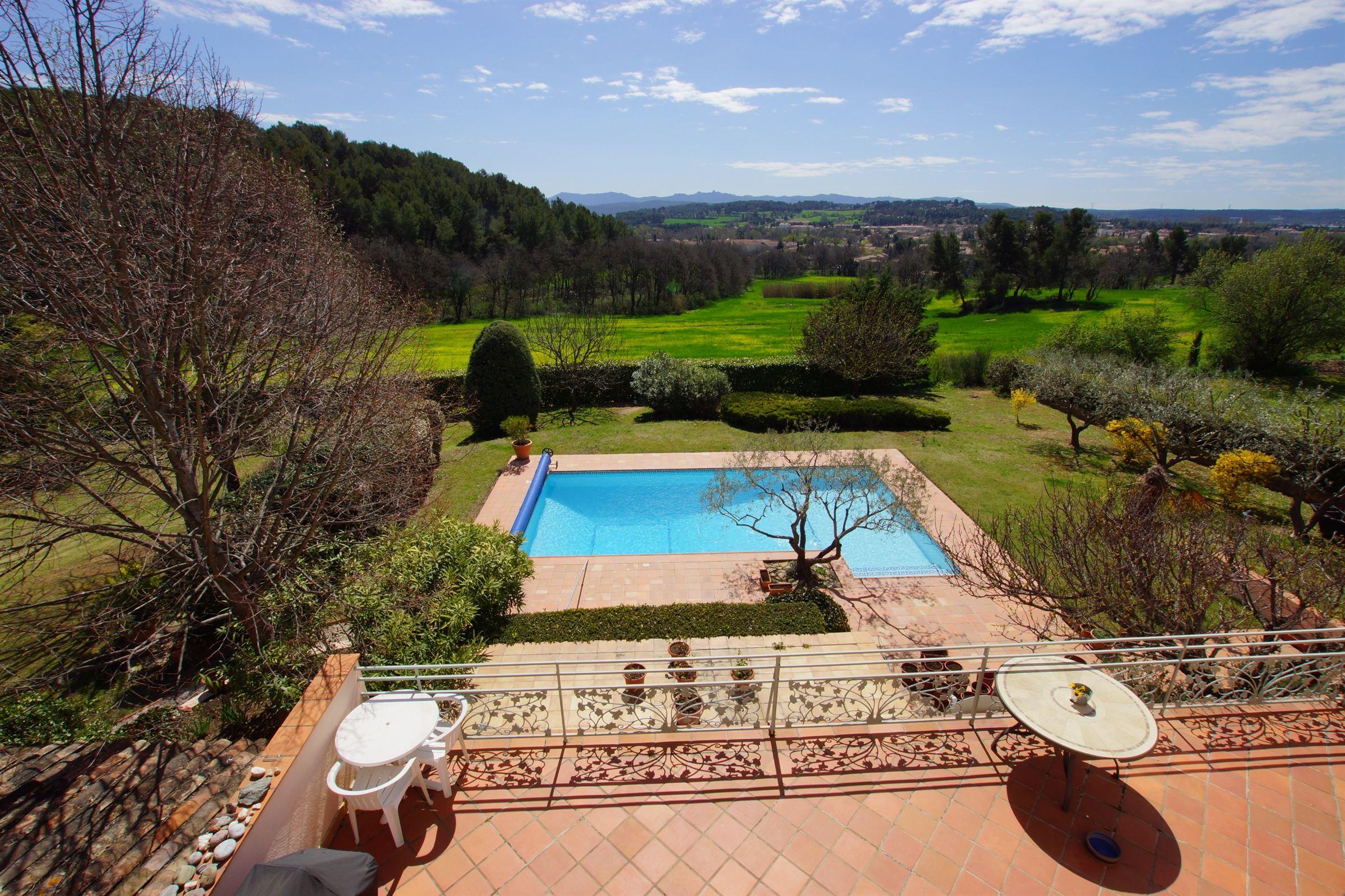 단독 가정 주택 용 매매 에 House Other Provence-Alpes-Cote D'Azur, 프로벤스 앞ㄹ프스 코테 D'Azur, 13090 프랑스