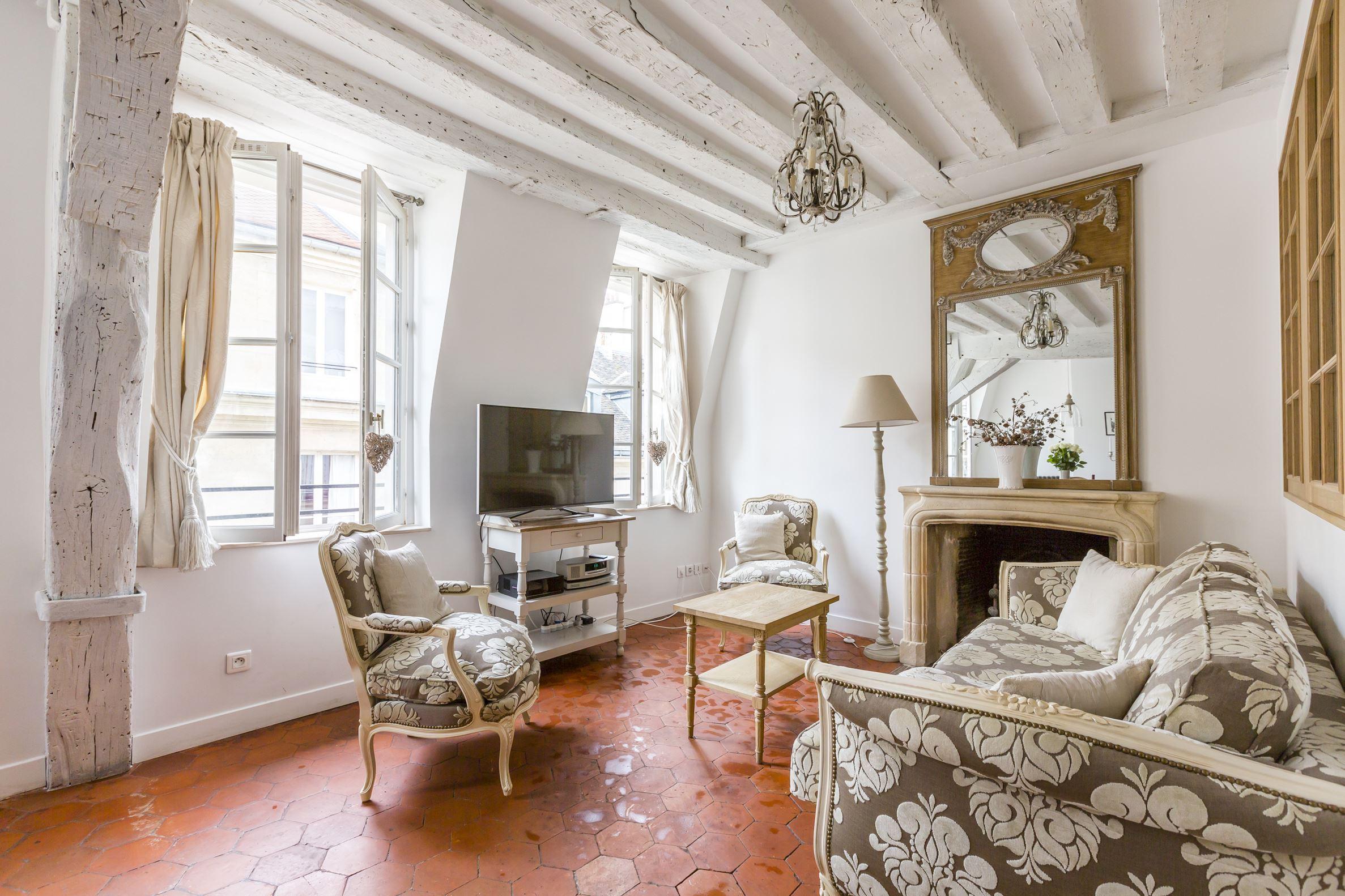 sales property at Ile Saint-Louis