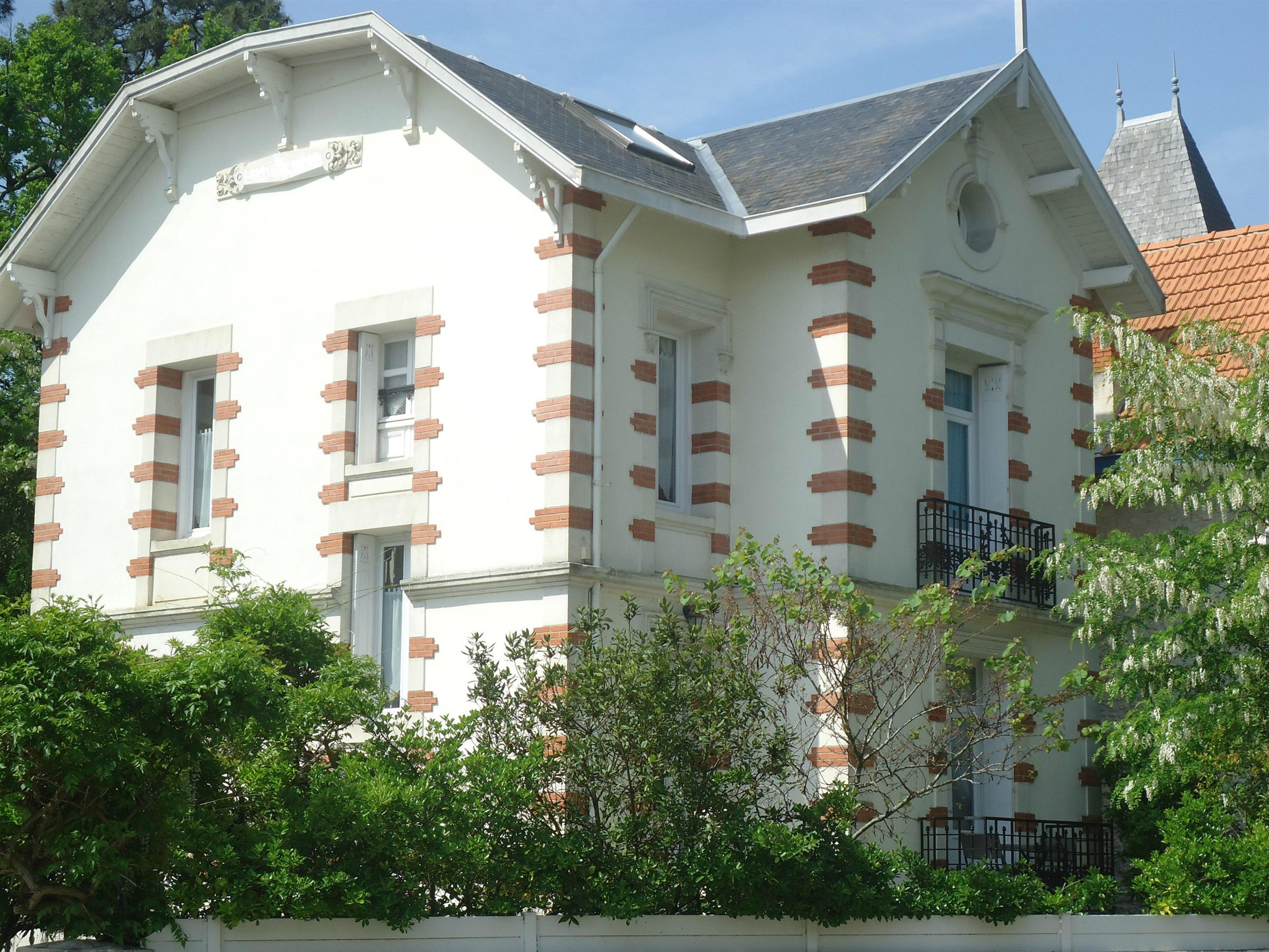 sales property at Villa bell époque