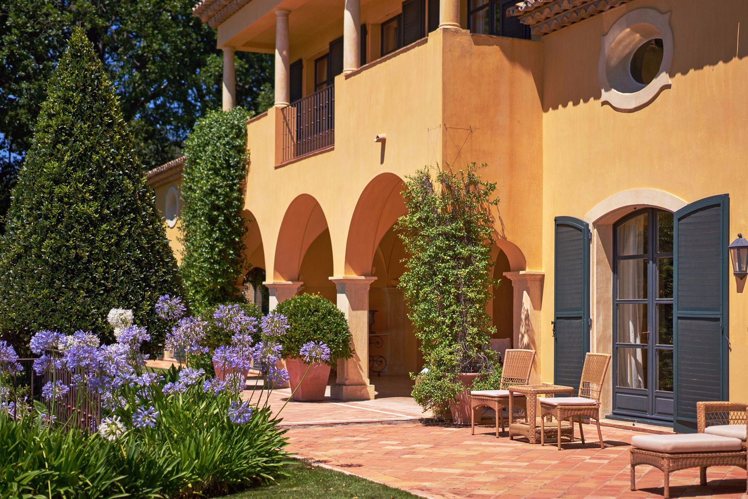 Villa per Vendita alle ore Charming property with sea views Mougins, Provenza-Alpi-Costa Azzurra, 06250 Francia