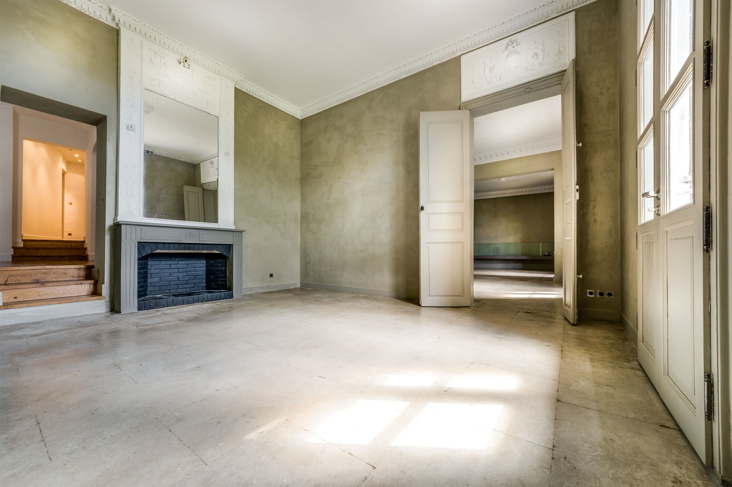 Property For Sale at MONTPELLIER HISTORIC TOWN CENTER LUXURIOUS MANSION HOUSE WITH TERRACE !