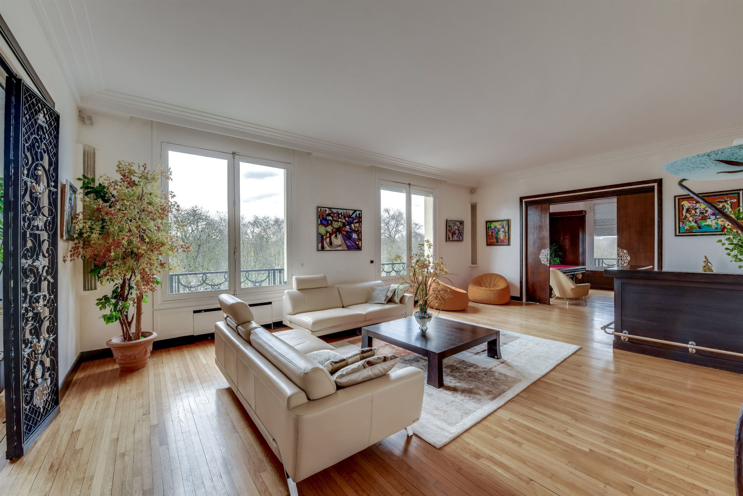 sales property at A 270 sq.m apartment for sale, South oriented Neuilly - Bois, 3 bedrooms