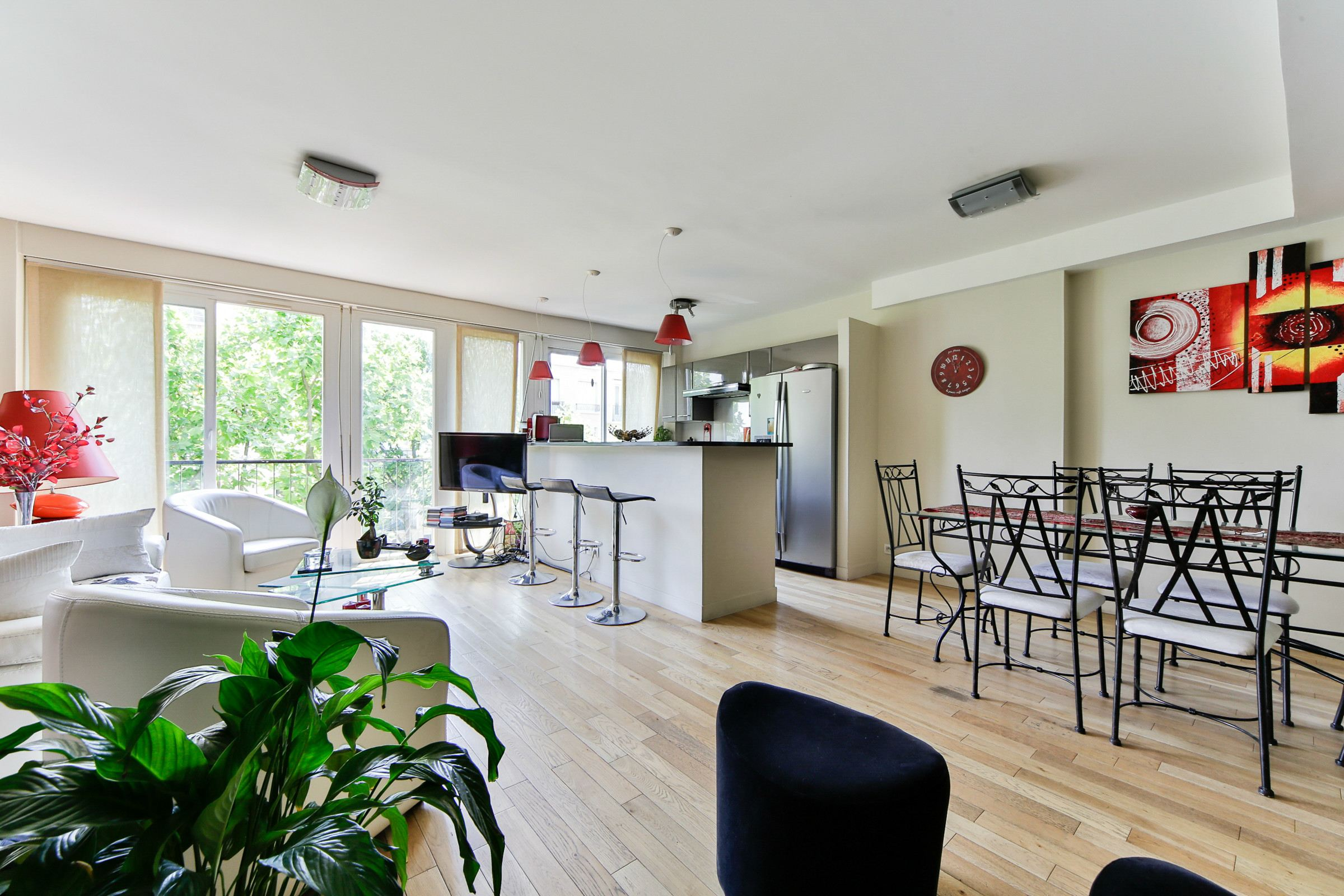 Property For Sale at Neuilly. Chezy. Apartment with a balcony.