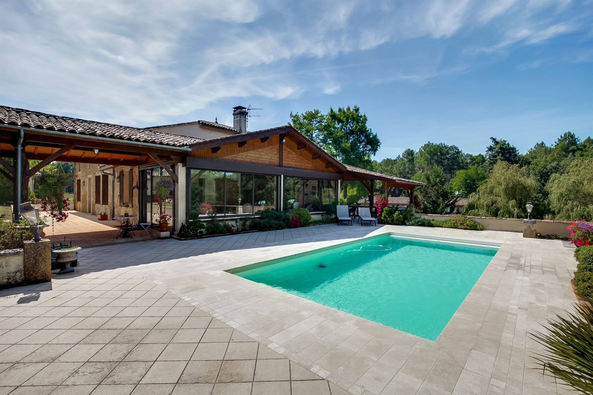sales property at BORDEAUX 35MN - STUNNING ESTATE - 60 HECTARES - EASY ACCESS TO THE ARCACHON BAY