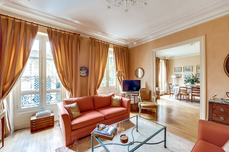 sales property at For sale House with garden in Neuilly-sur-Seine - Sablons