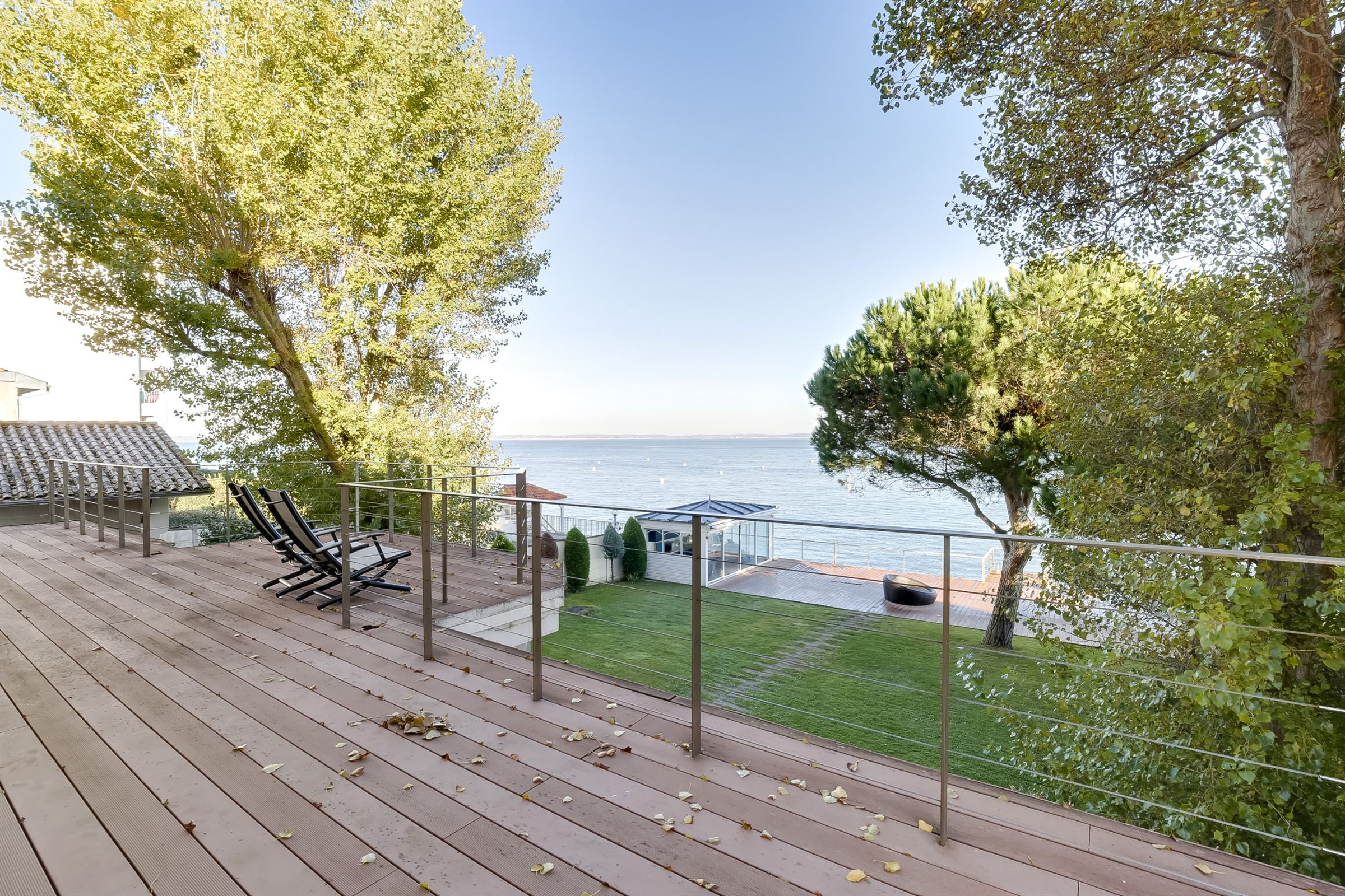 sales property at ARCACHON - FRONT LINE - ENTIRELY RENOVATED VILLA