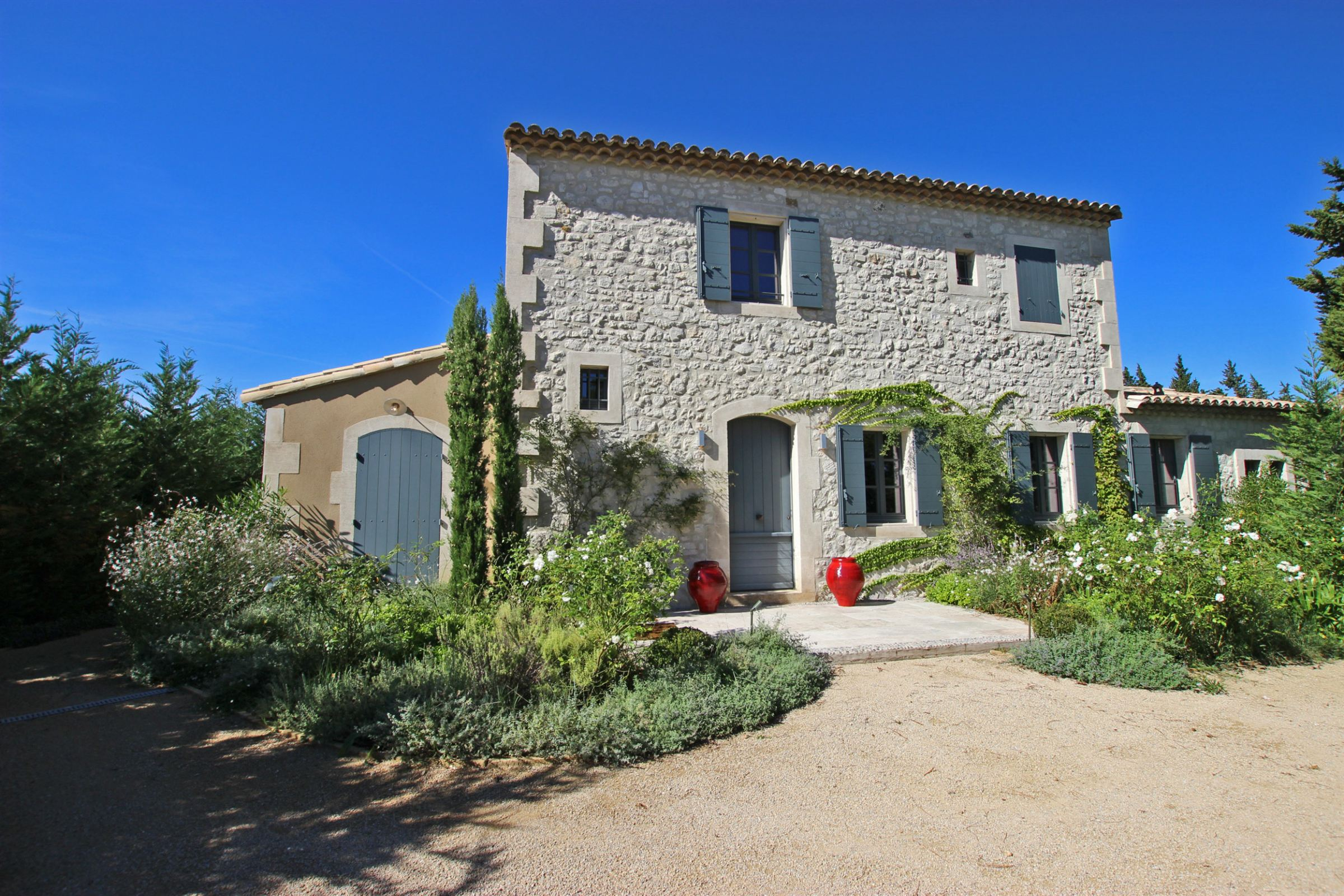 rentals property at Charming renovated townhouse with swimming pool in Provence