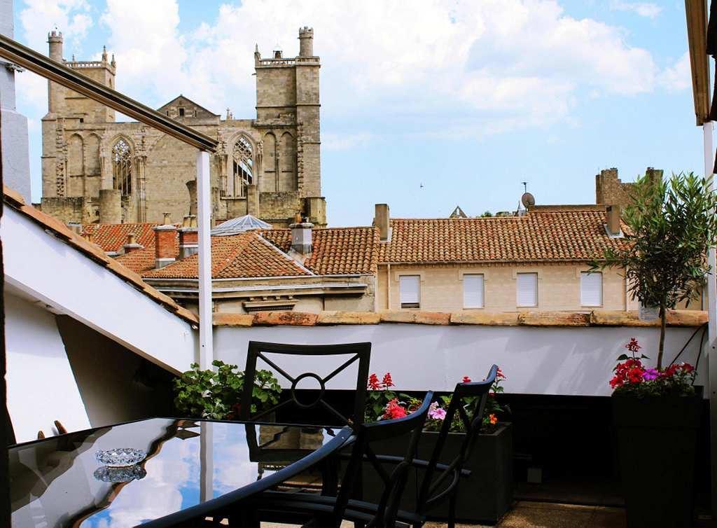 Apartment for Sale at Appartement Hausmannien Narbonne, Languedoc-Roussillon, 11100 France