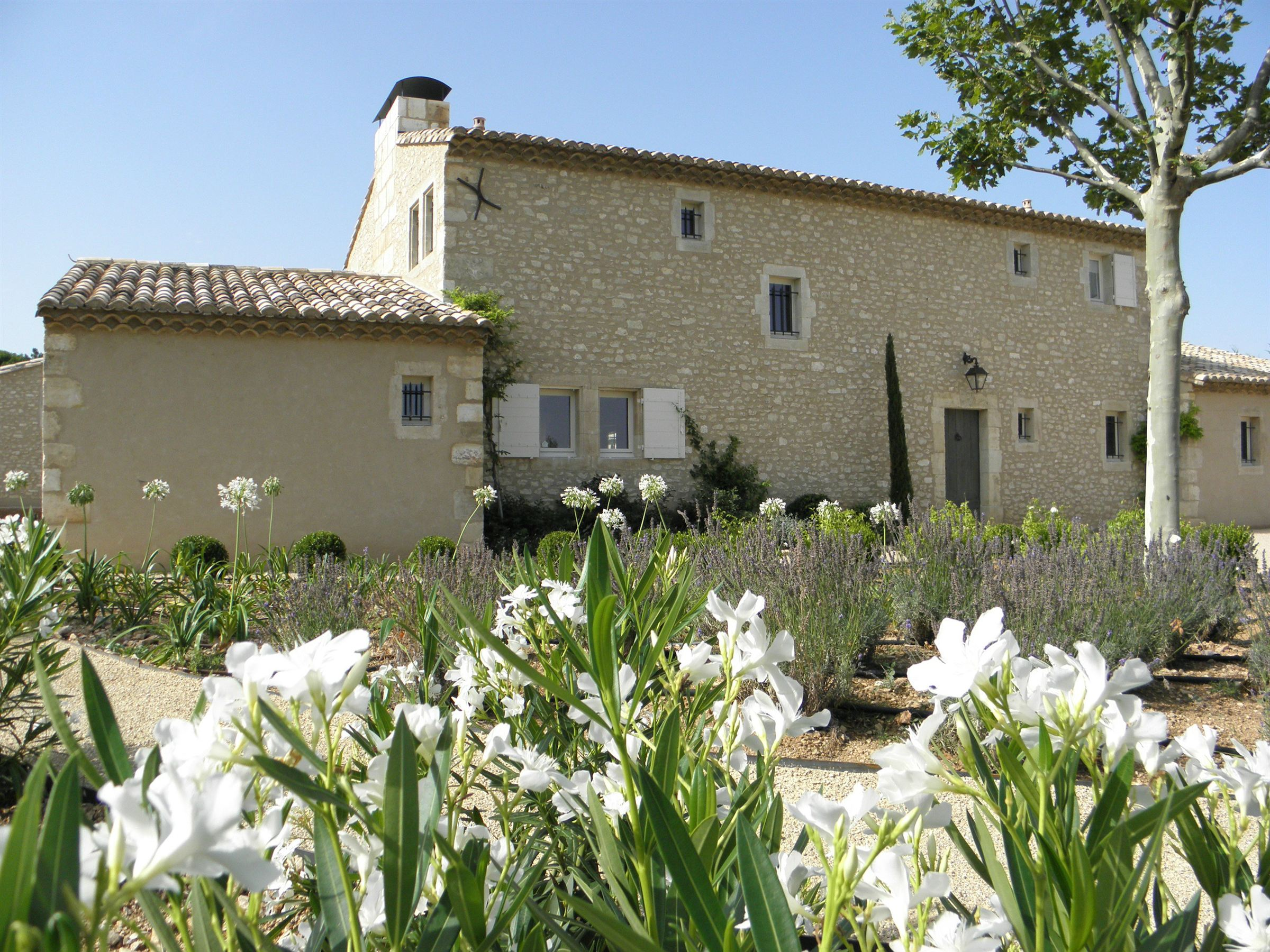 Single Family Home for Sale at Recent country house In Eygalieres Eygalieres, Provence-Alpes-Cote D'Azur 13810 France