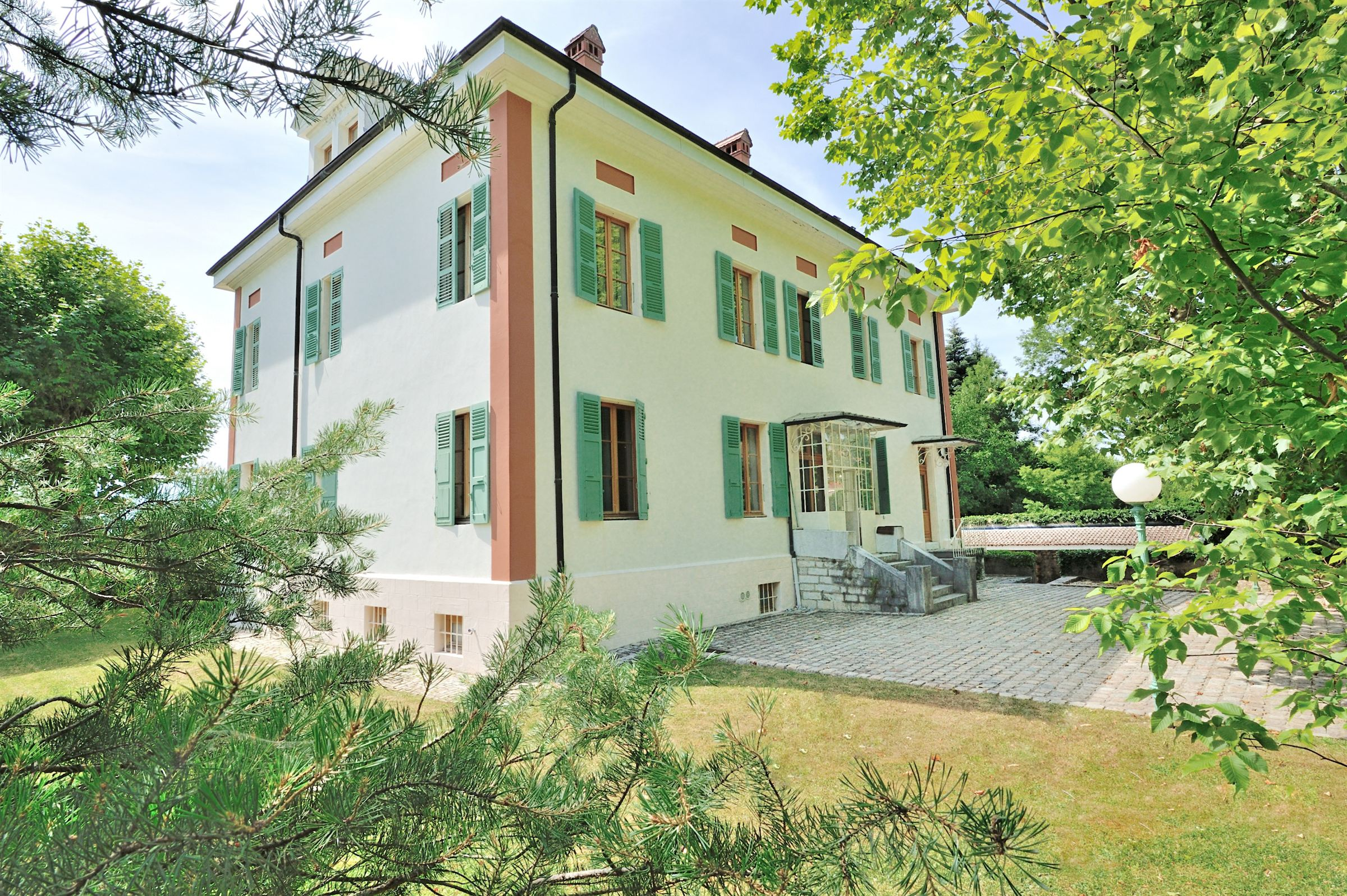 Vivienda unifamiliar por un Venta en Manor house Other Rhone-Alpes, Ródano-Alpes 74940 Francia