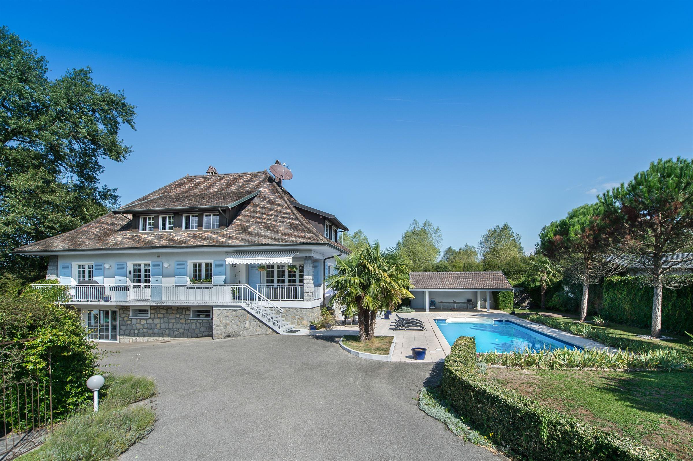 Property For Sale at SCIEZ : Villa close to port