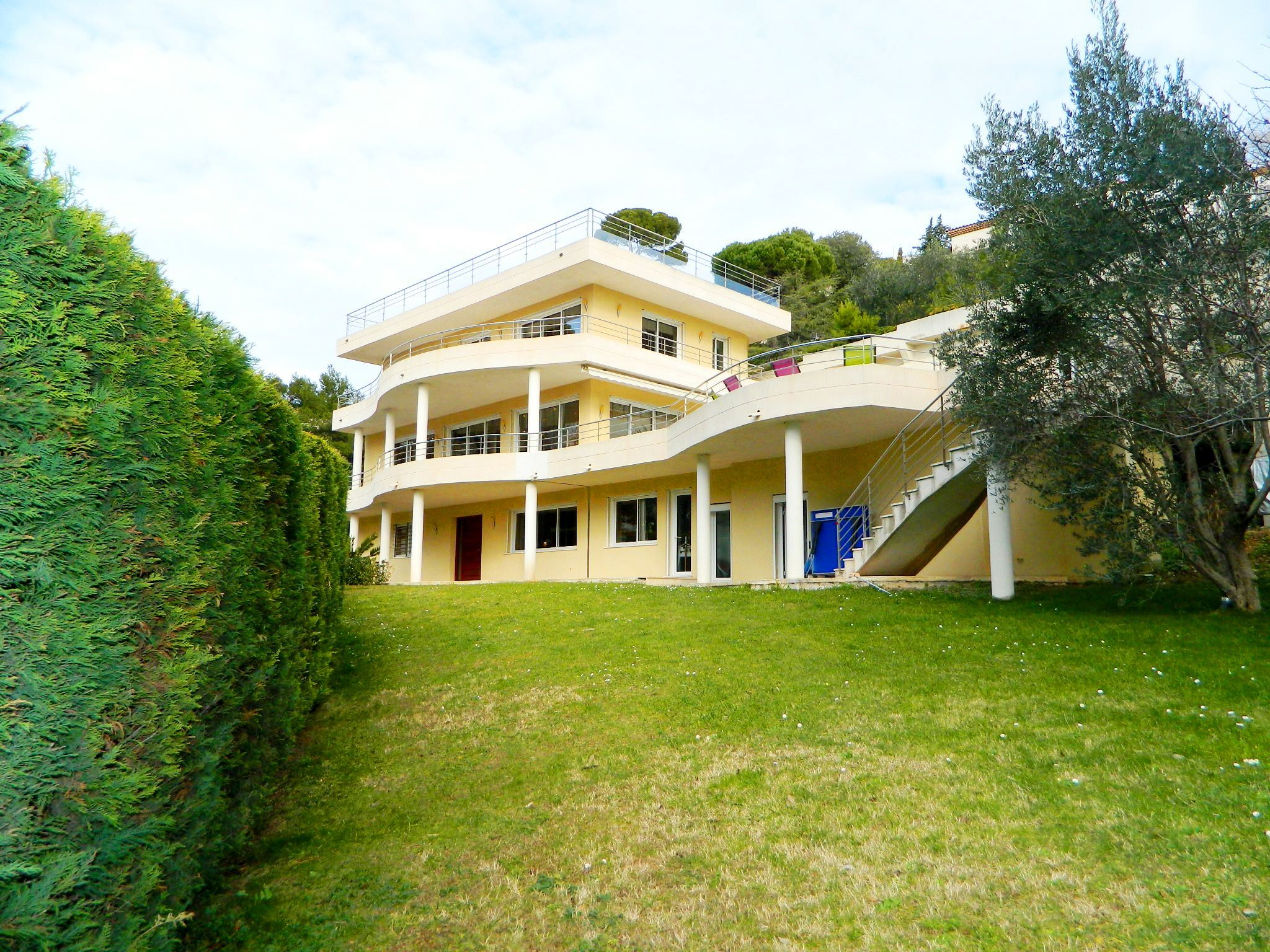 sales property at BELLE VILLA D'ARCHITECTE