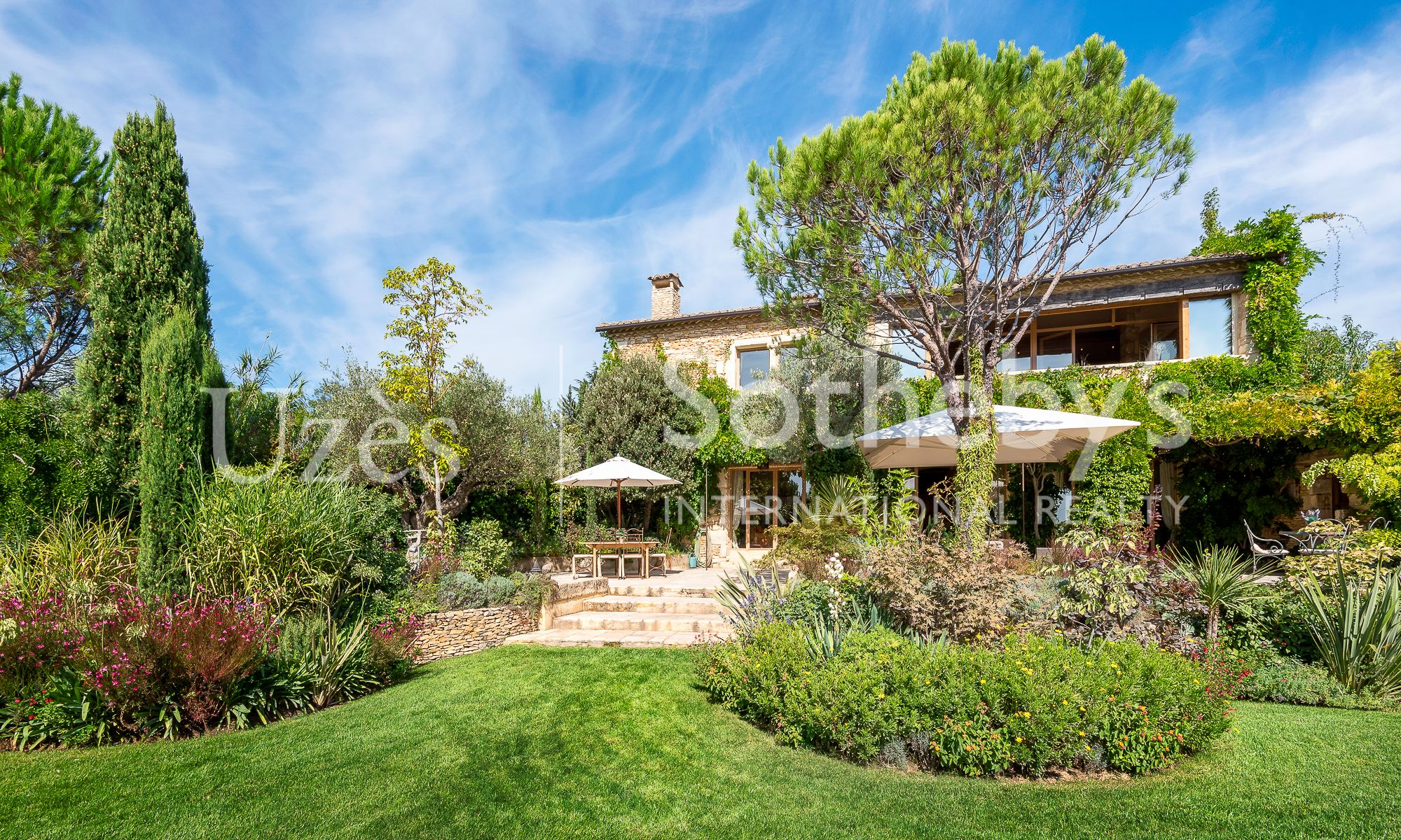 Property For Sale at Uzes - 5 min Breathtaking property