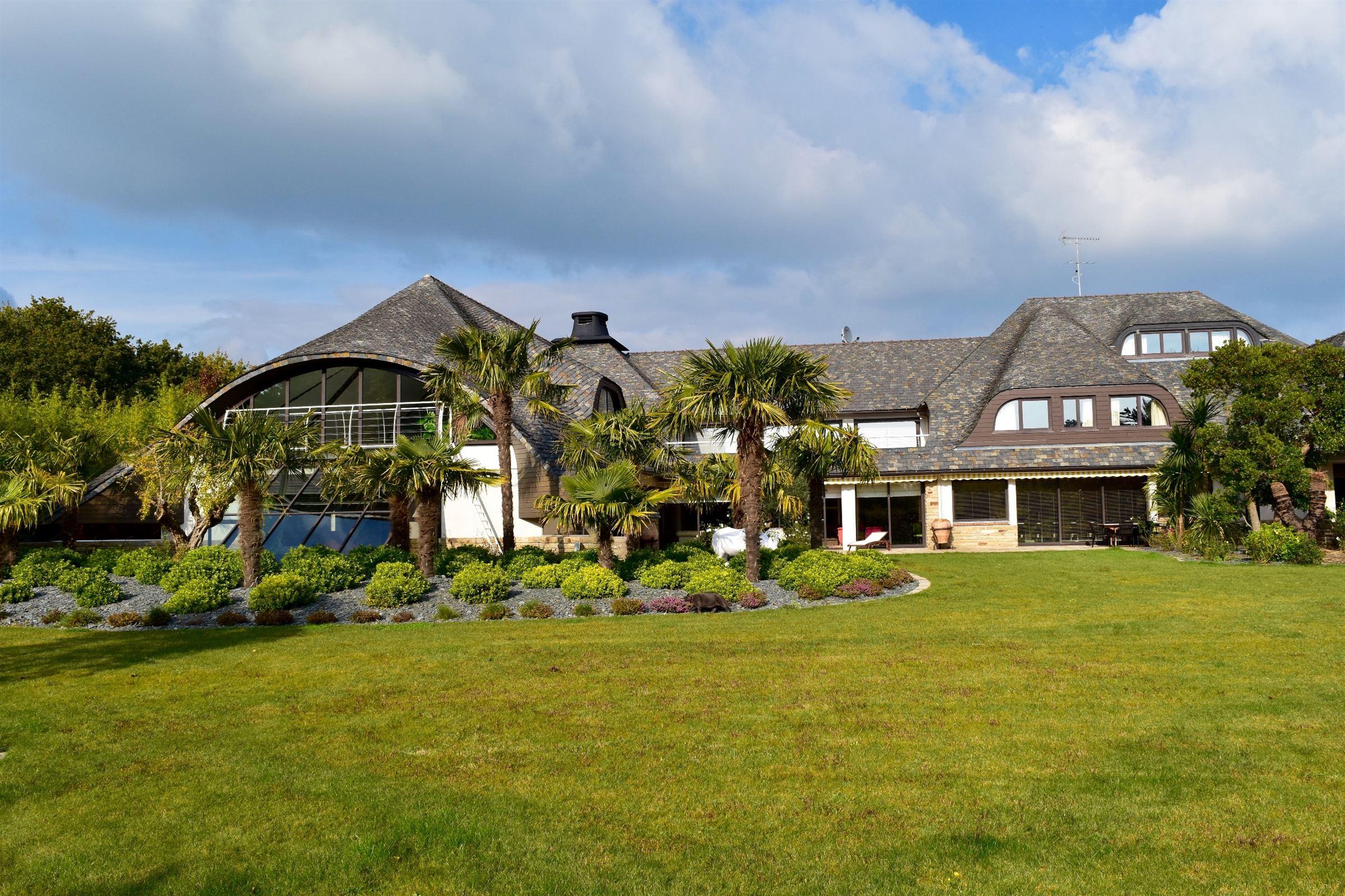 Single Family Home for Sale at Property about 1300m2 in a secure domain Guerande, Pays De La Loire, 44350 France