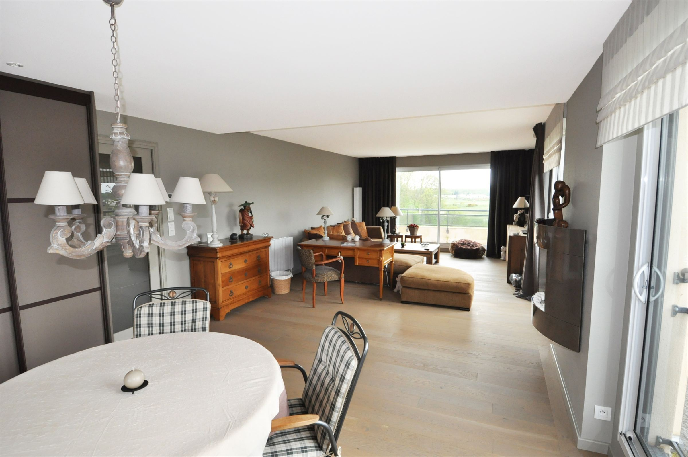 sales property at MERIGNIES, Luxury 107sqm flat with beautiful view. 2 Bedrooms.