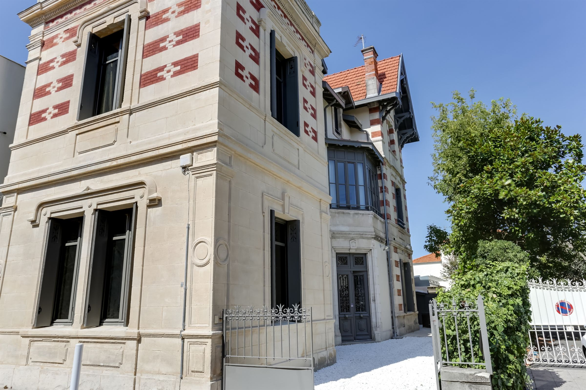 sales property at Magnificent Arcachon style house fully renovated