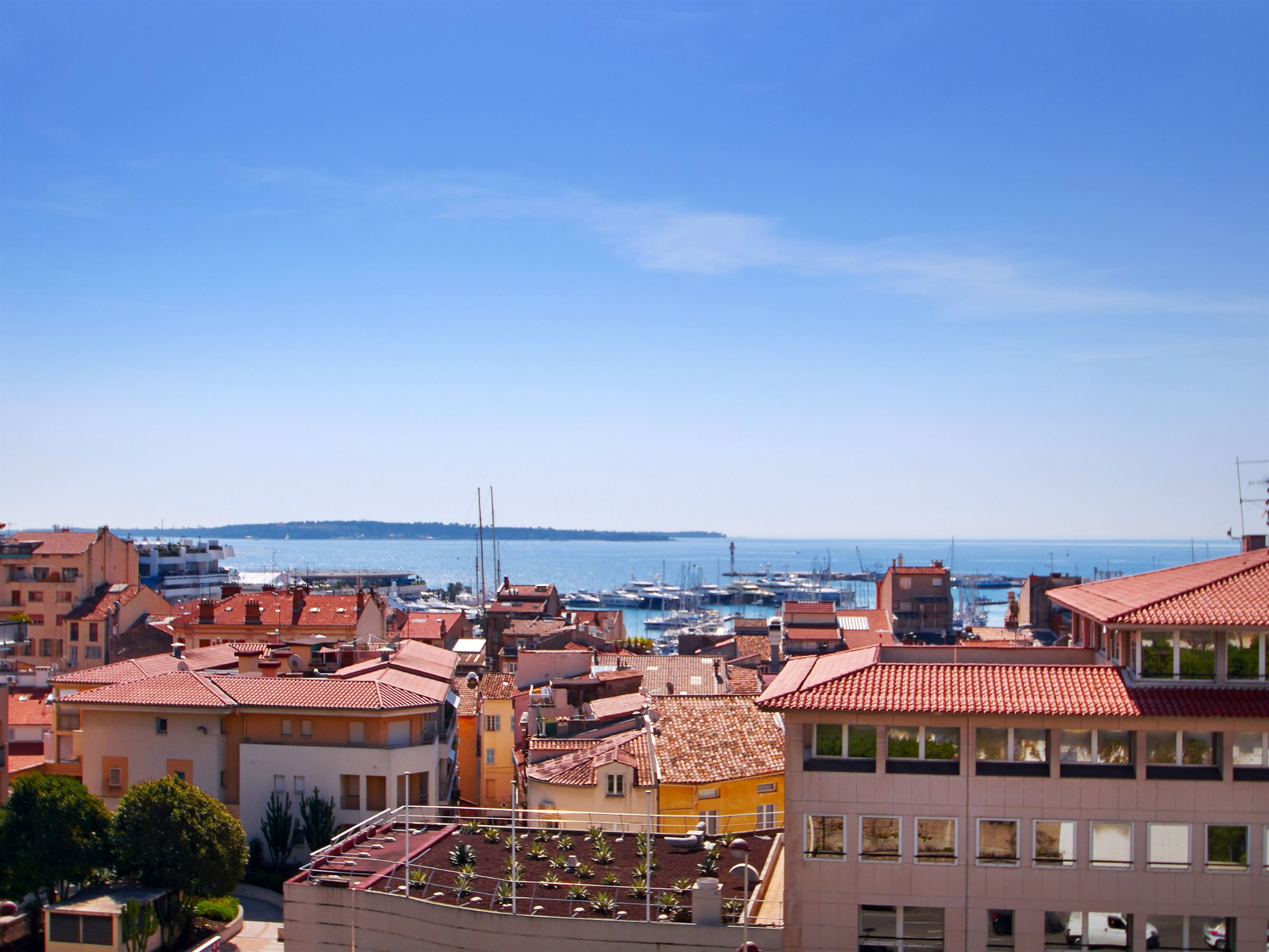 Apartment for Sale at Cannes City Center - large apartment for sale with sea views Cannes, Provence-Alpes-Cote D'Azur 06400 France