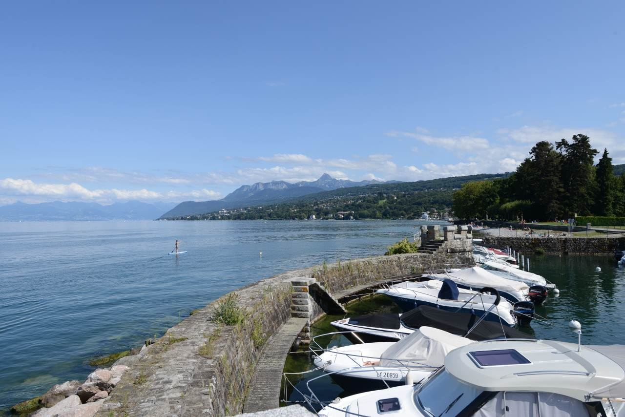 Single Family Home for Sale at Property Publier, Rhone-Alpes 74500 France