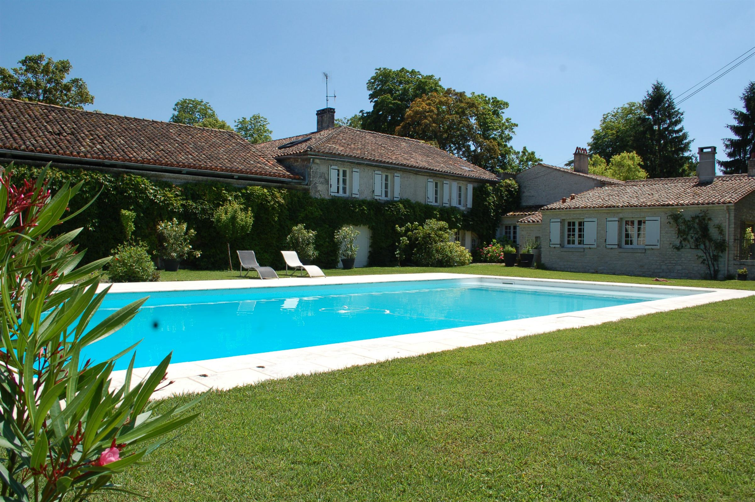 sales property at Logis Charentais