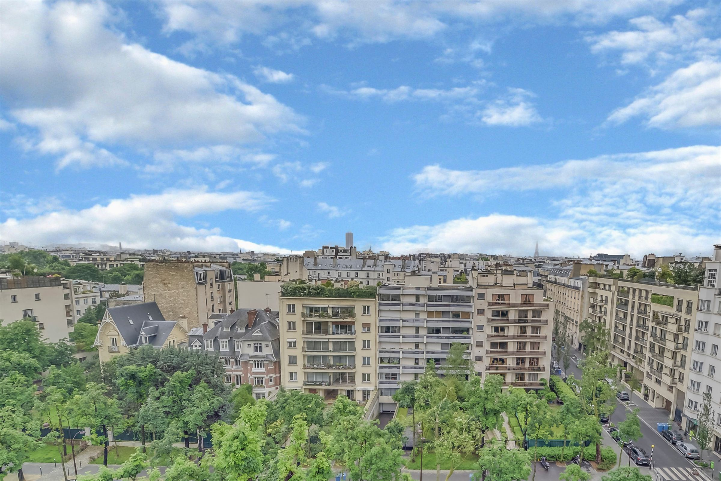 sales property at Duplex apartment for sale, top floor, Neuilly - Saussaye, 3 bedrooms