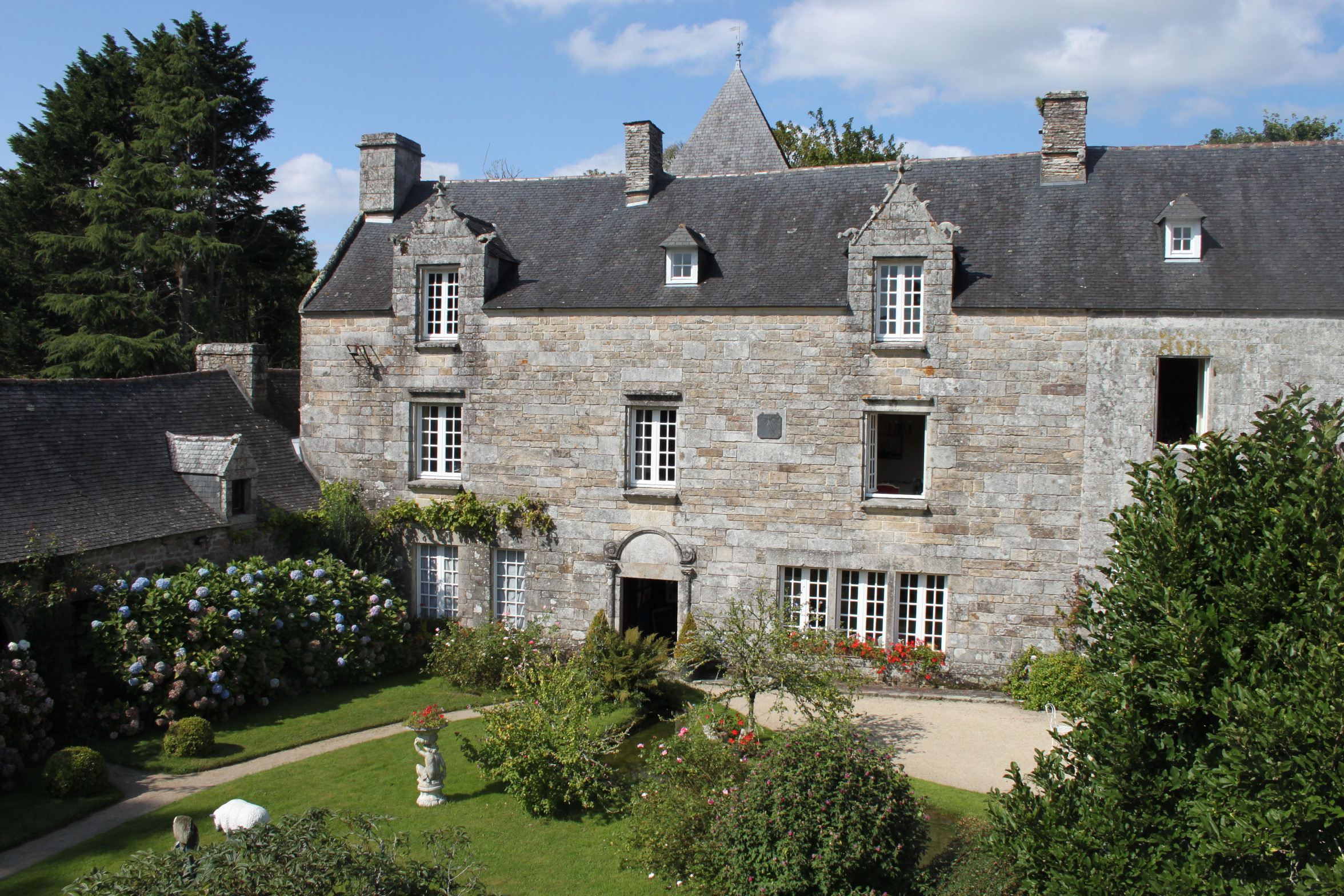sales property at Near Quimper. Beautiful manor and his dependances...