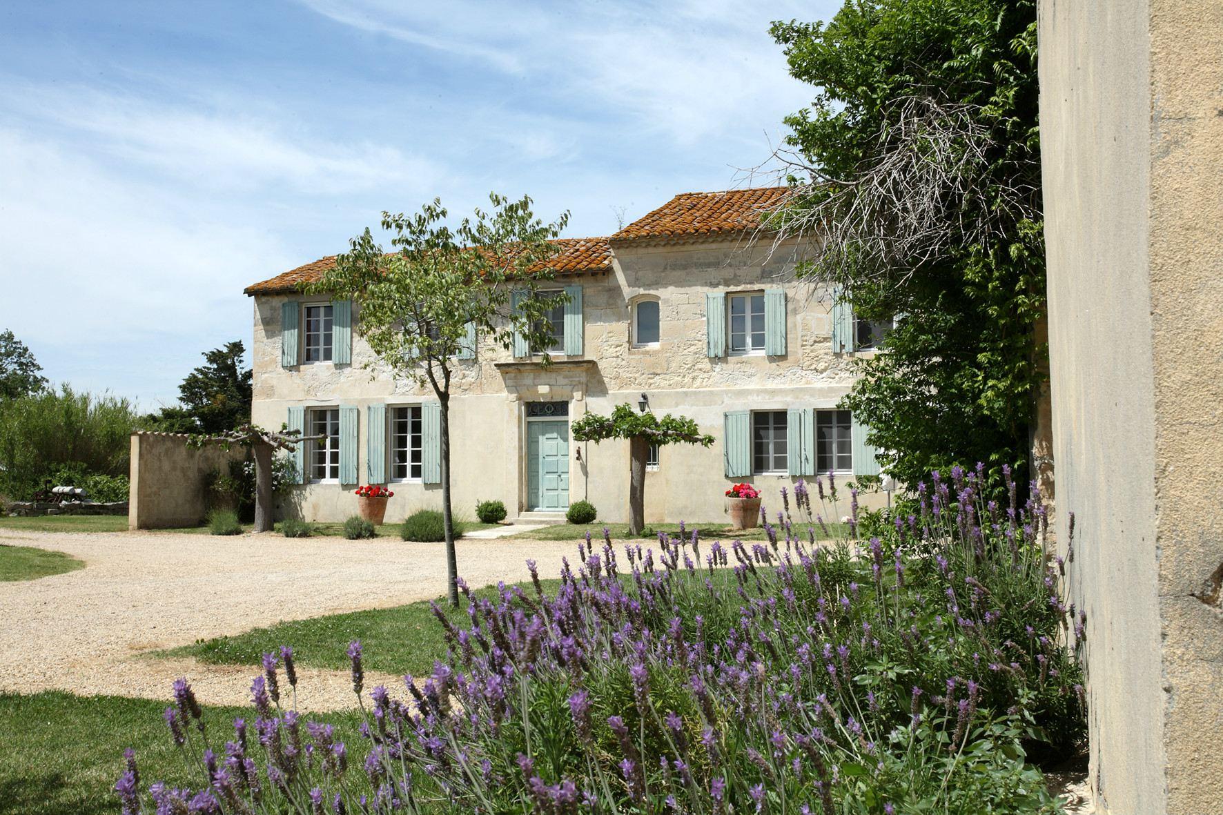 "sales property at A superb farmhouse near Arles ""Camargue"""