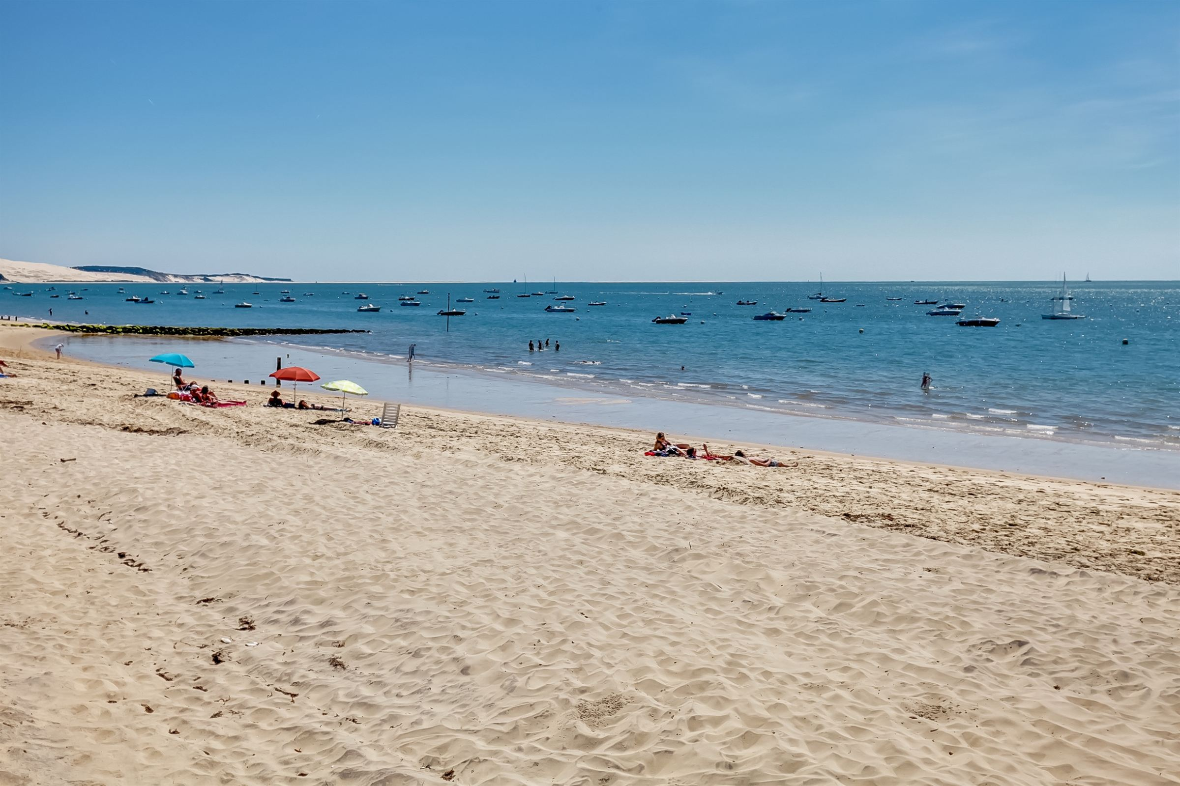 sales property at PYLA SUR MER FRONT LINE APARTMENT WITH GARDEN AND BEACH ACCESS