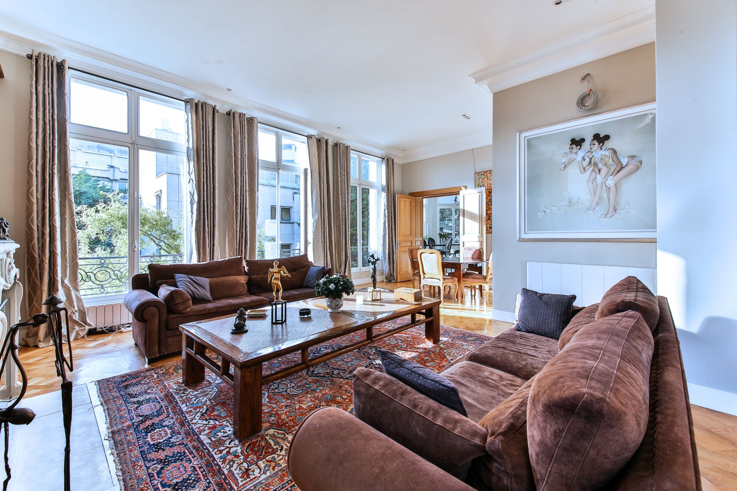 Property For Sale at Neuilly - Duc d'Orléans.Apartment. South-West exposure
