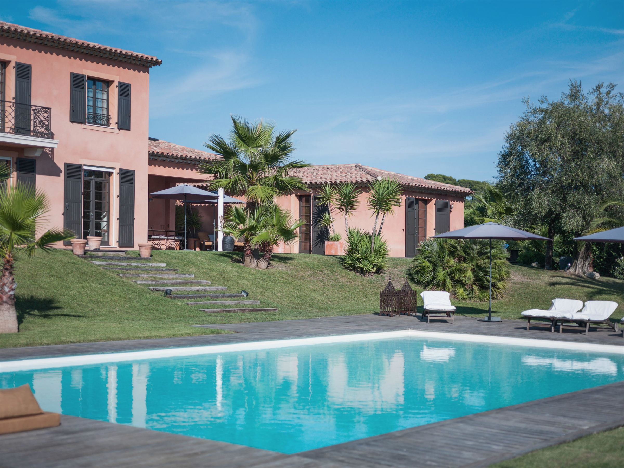 Single Family Home for Sale at Beautiful Family Home Mougins, Provence-Alpes-Cote D'Azur, 06250 France