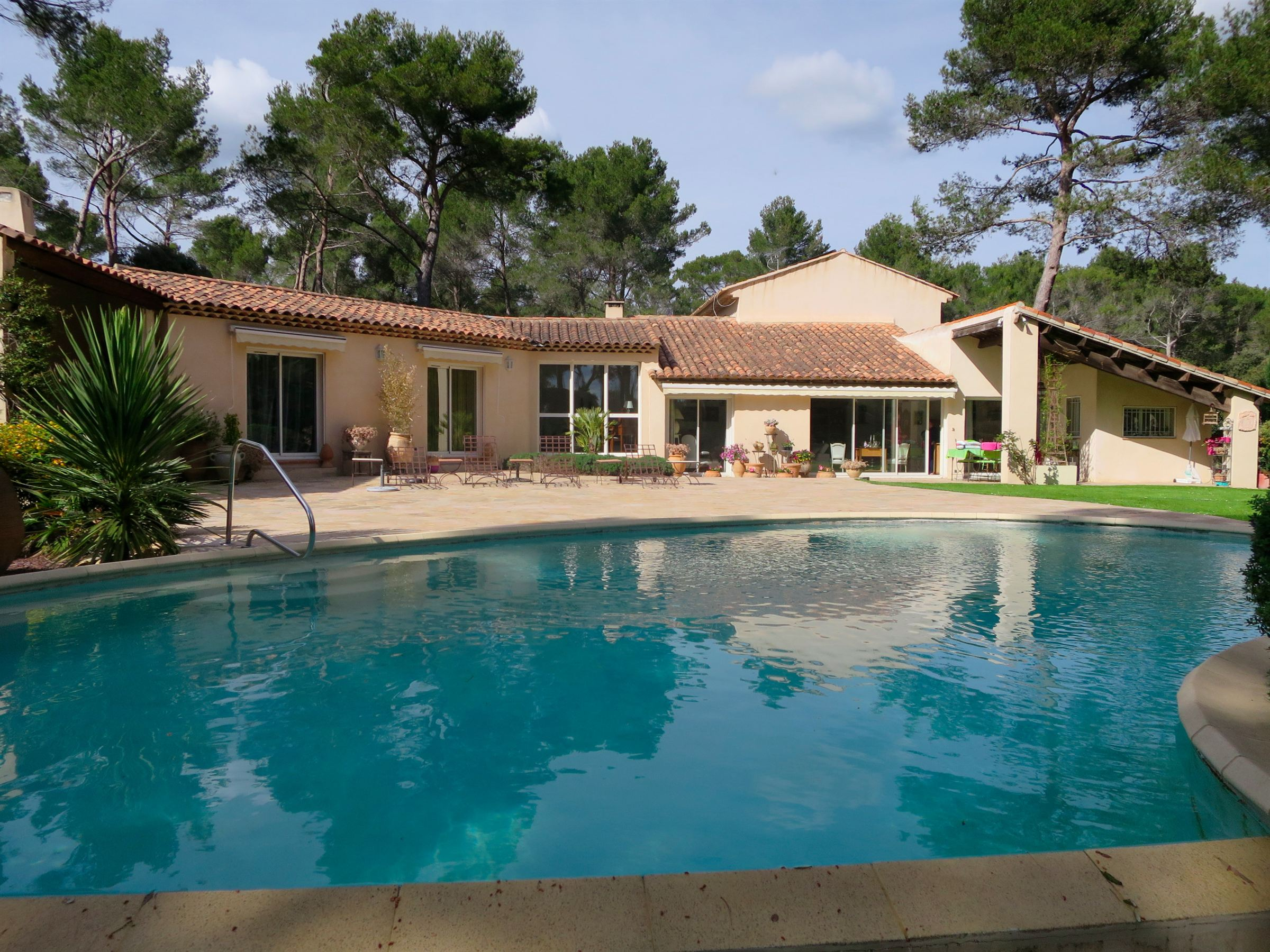 Single Family Home for Sale at SAINT MARC JAUMEGARDE Other Provence-Alpes-Cote D'Azur, Provence-Alpes-Cote D'Azur, 13100 France
