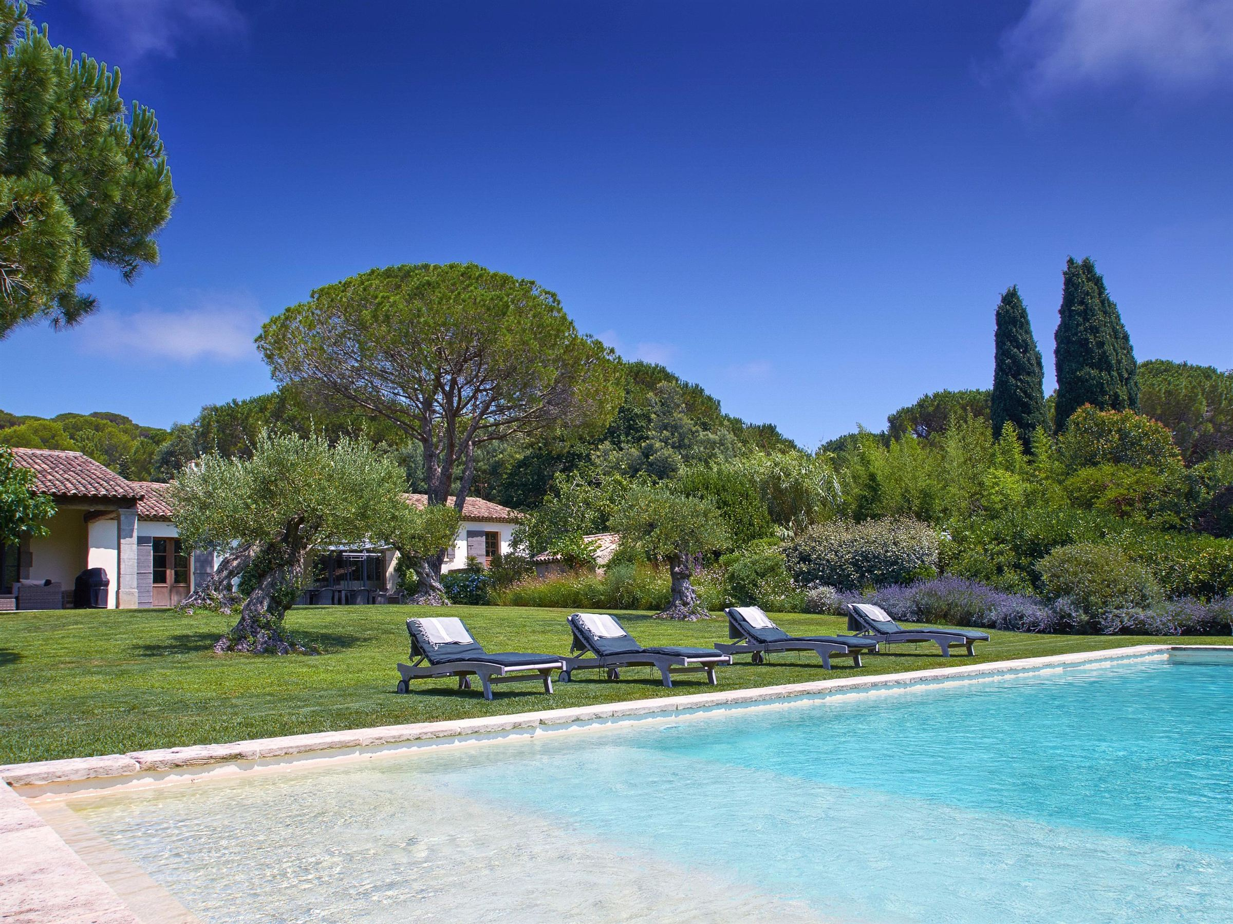 Single Family Home for Sale at Authentic Mediterranean estate Saint Tropez, Provence-Alpes-Cote D'Azur, 83990 France