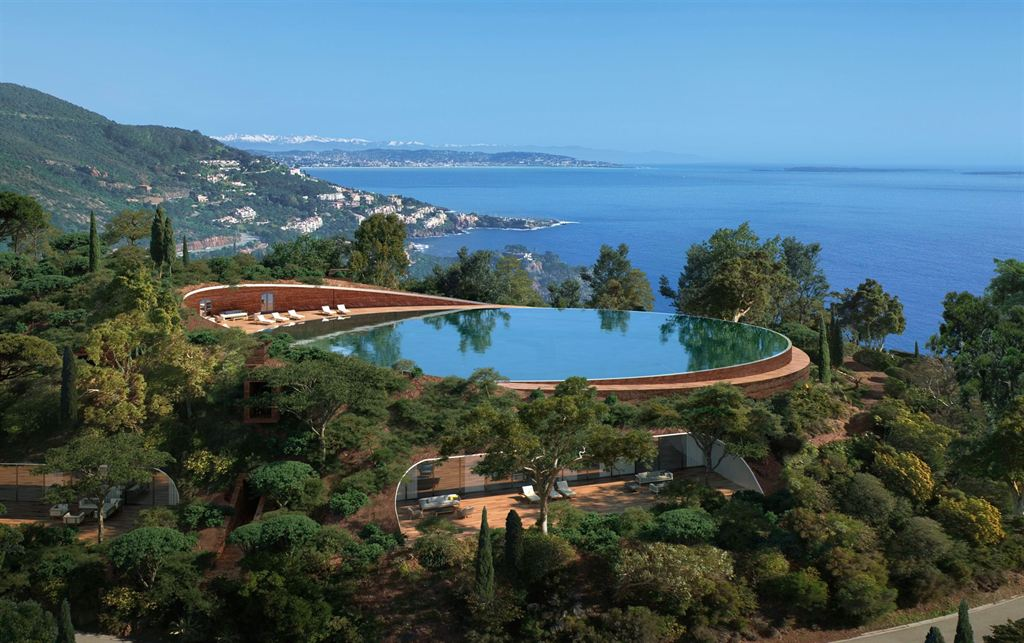 Single Family Homes pour l Vente à Théoule Villa - an iconic private estate with panoramic sea views Theoule Sur Mer, Provence-Alpes-Cote D'Azur 06590 France
