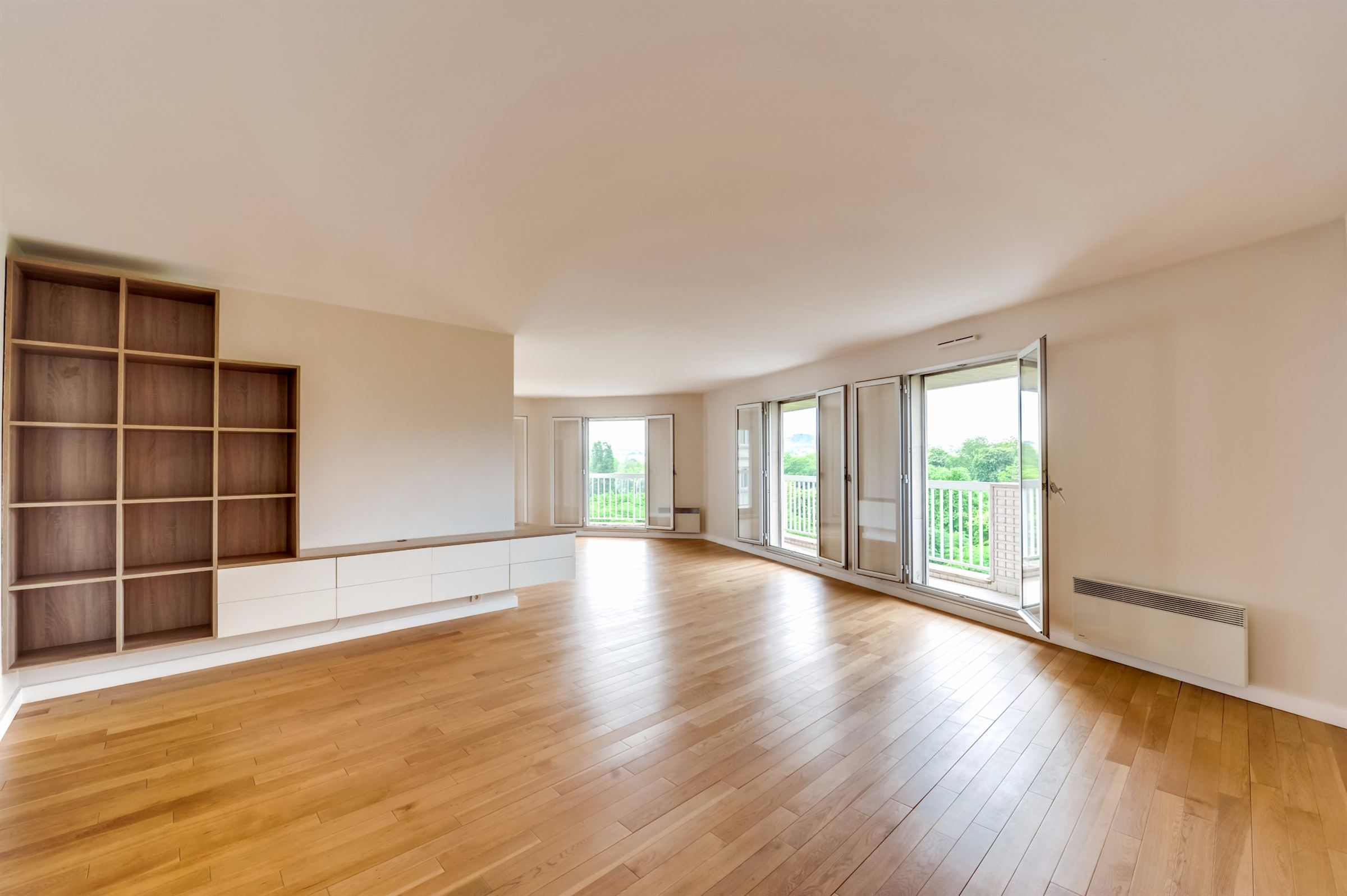sales property at A158 sq.m apartment for sale, Neuilly - Saint James, 3 bedrooms