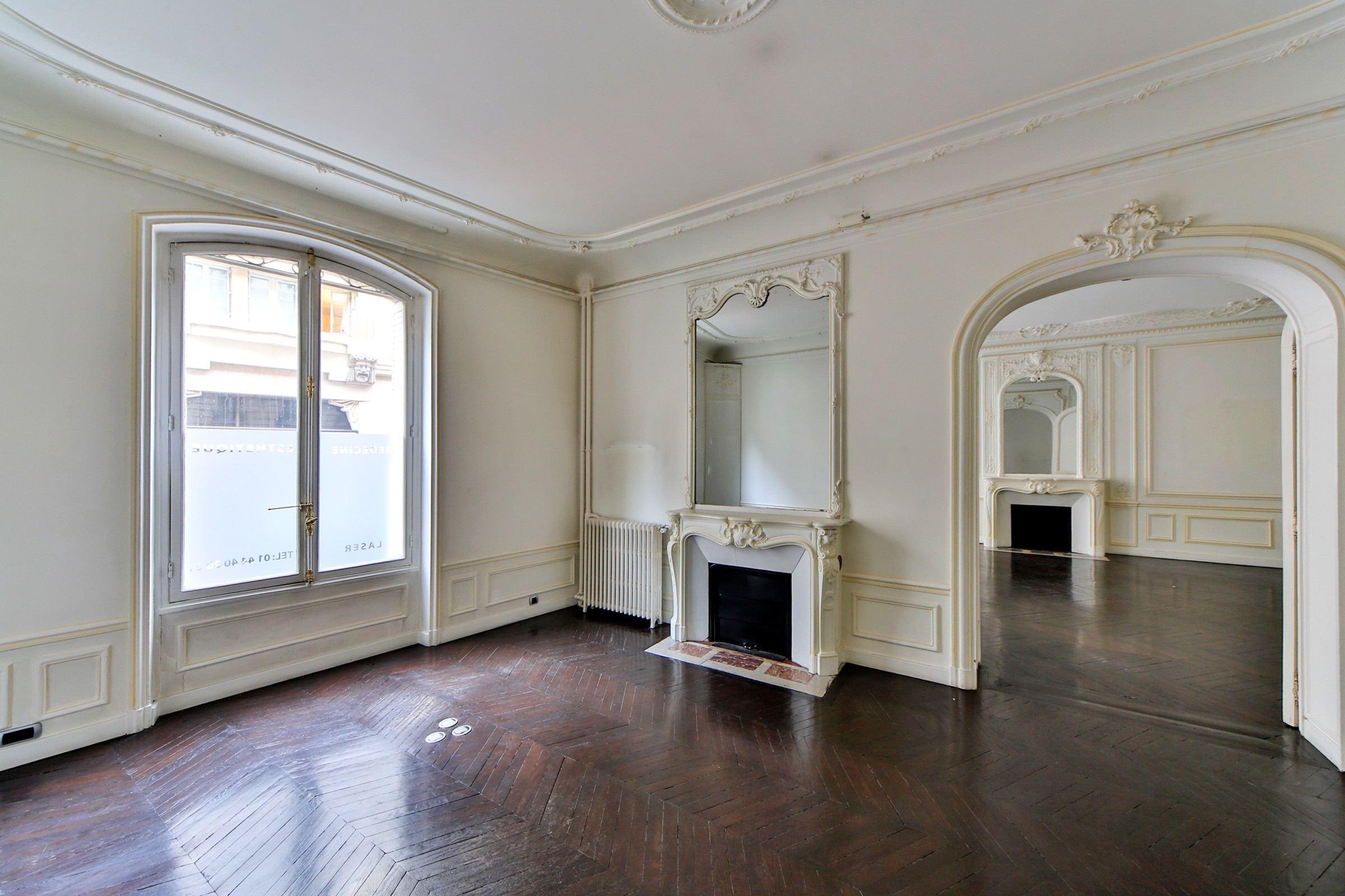 sales property at For sale apartment in Paris 8 - Avenue Marceau