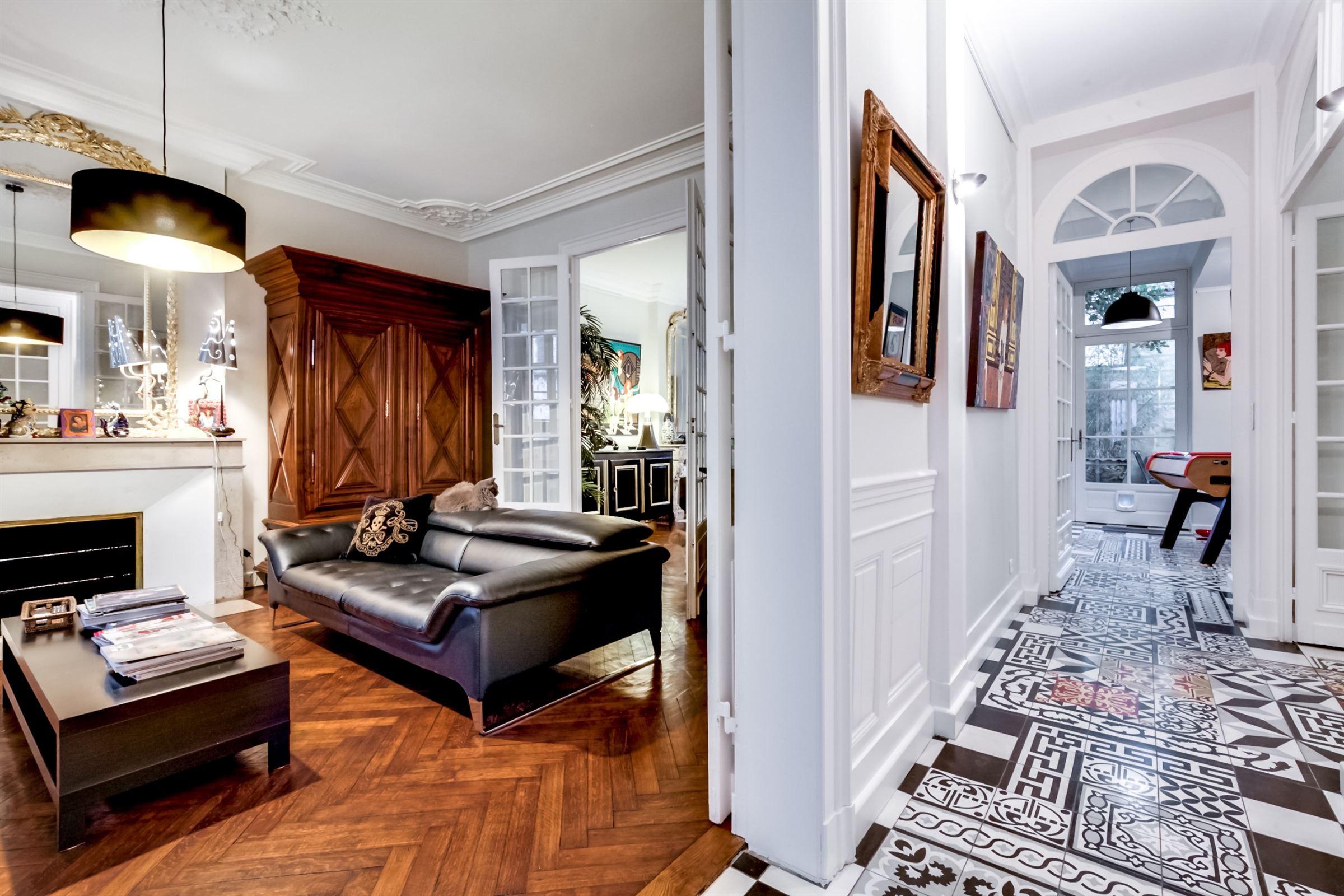 Casa Unifamiliar por un Venta en House Bordeaux, Aquitania, 33000 Francia
